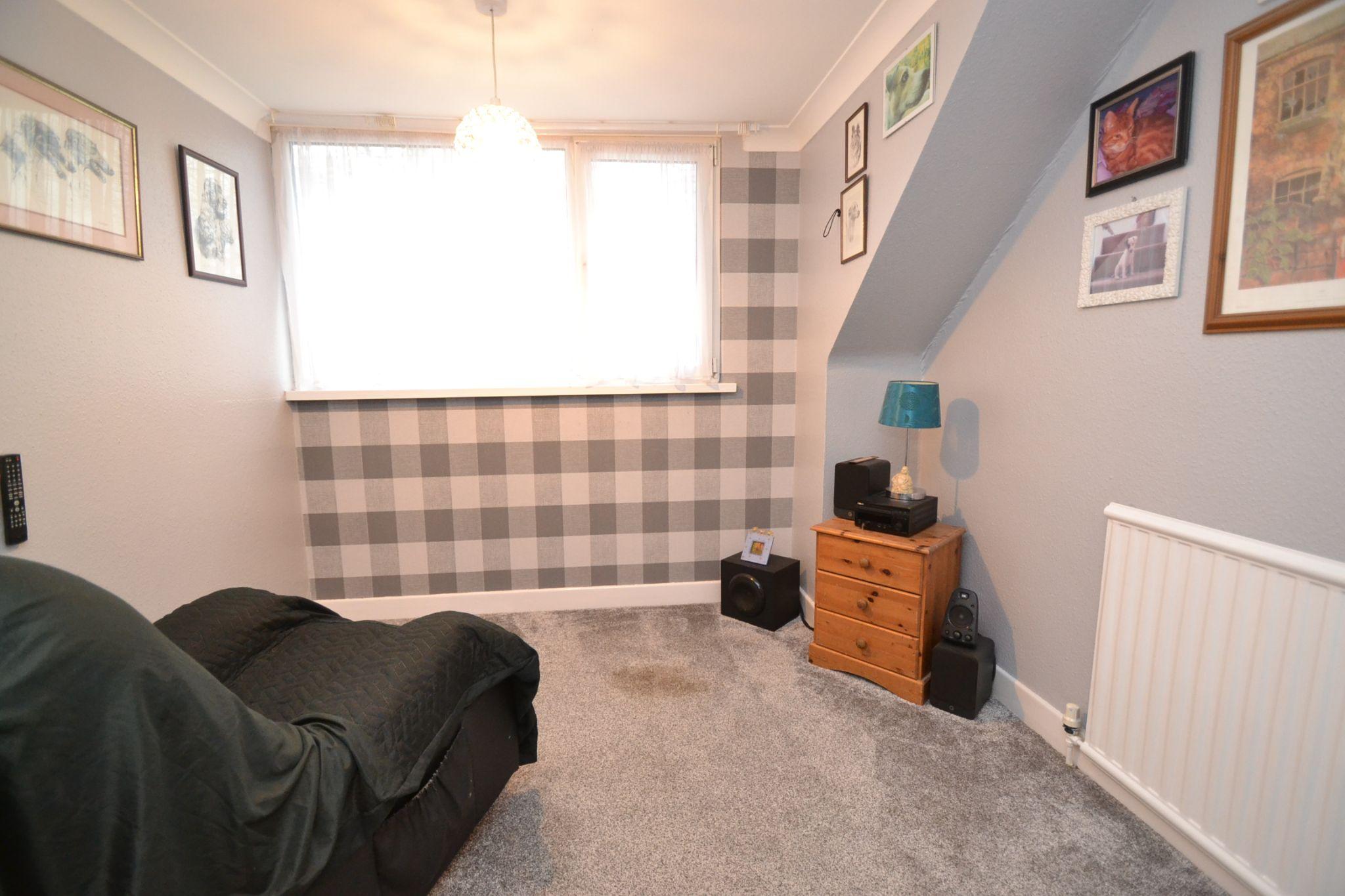 3 Bedroom Semi-detached Dormer House For Sale - Photograph 13