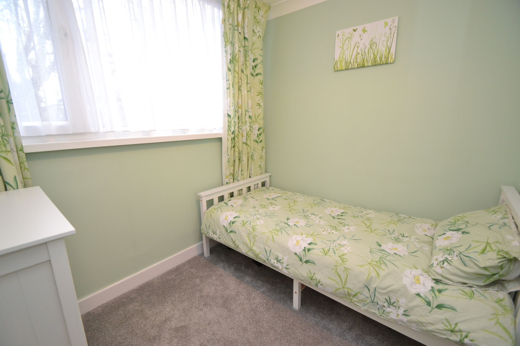 3 Bedroom Semi-detached Dormer House For Sale - Photograph 15