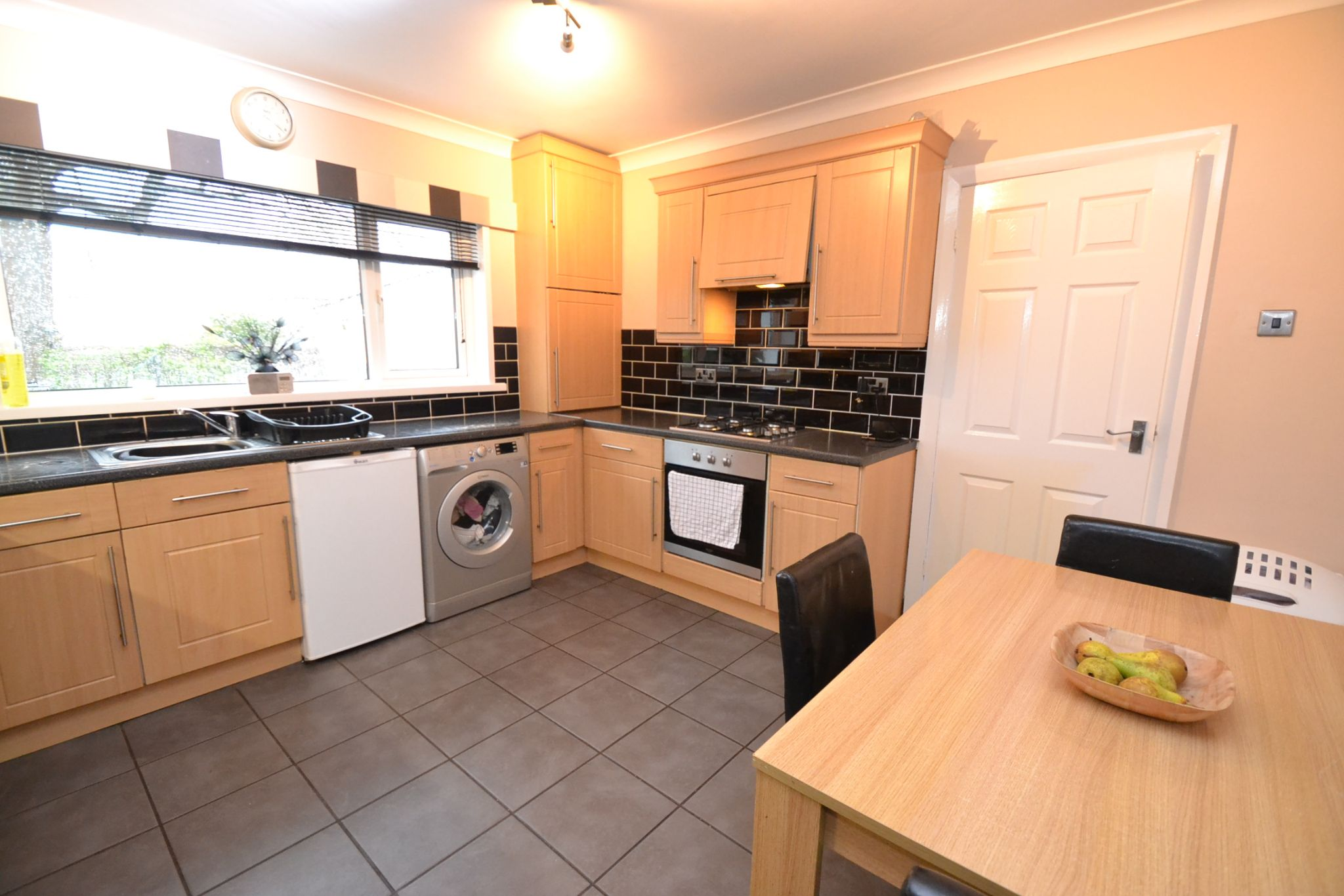 3 Bedroom Semi-detached Dormer House For Sale - Photograph 8