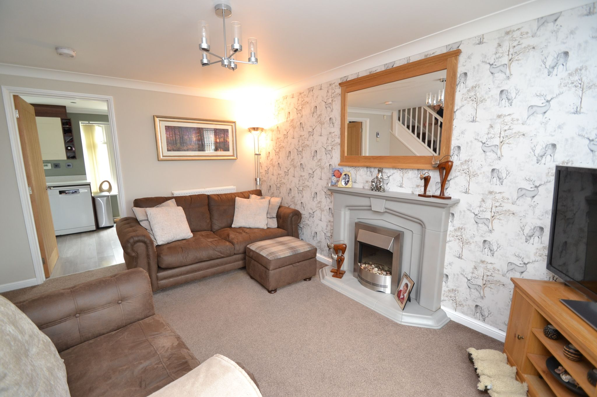 3 Bedroom End Terraced House For Sale - Photograph 3