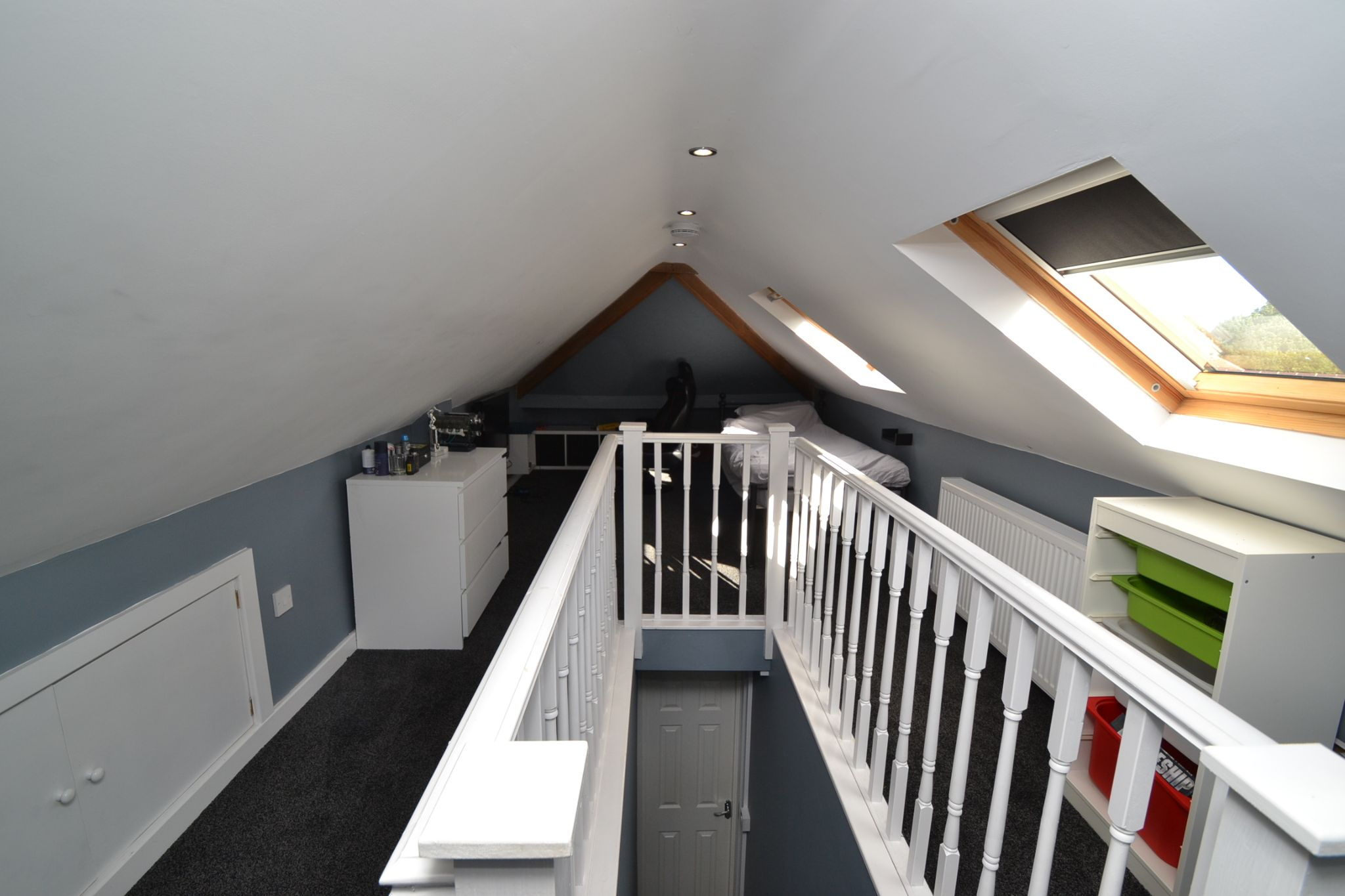 5 Bedroom Semi-detached House For Sale - Photograph 22