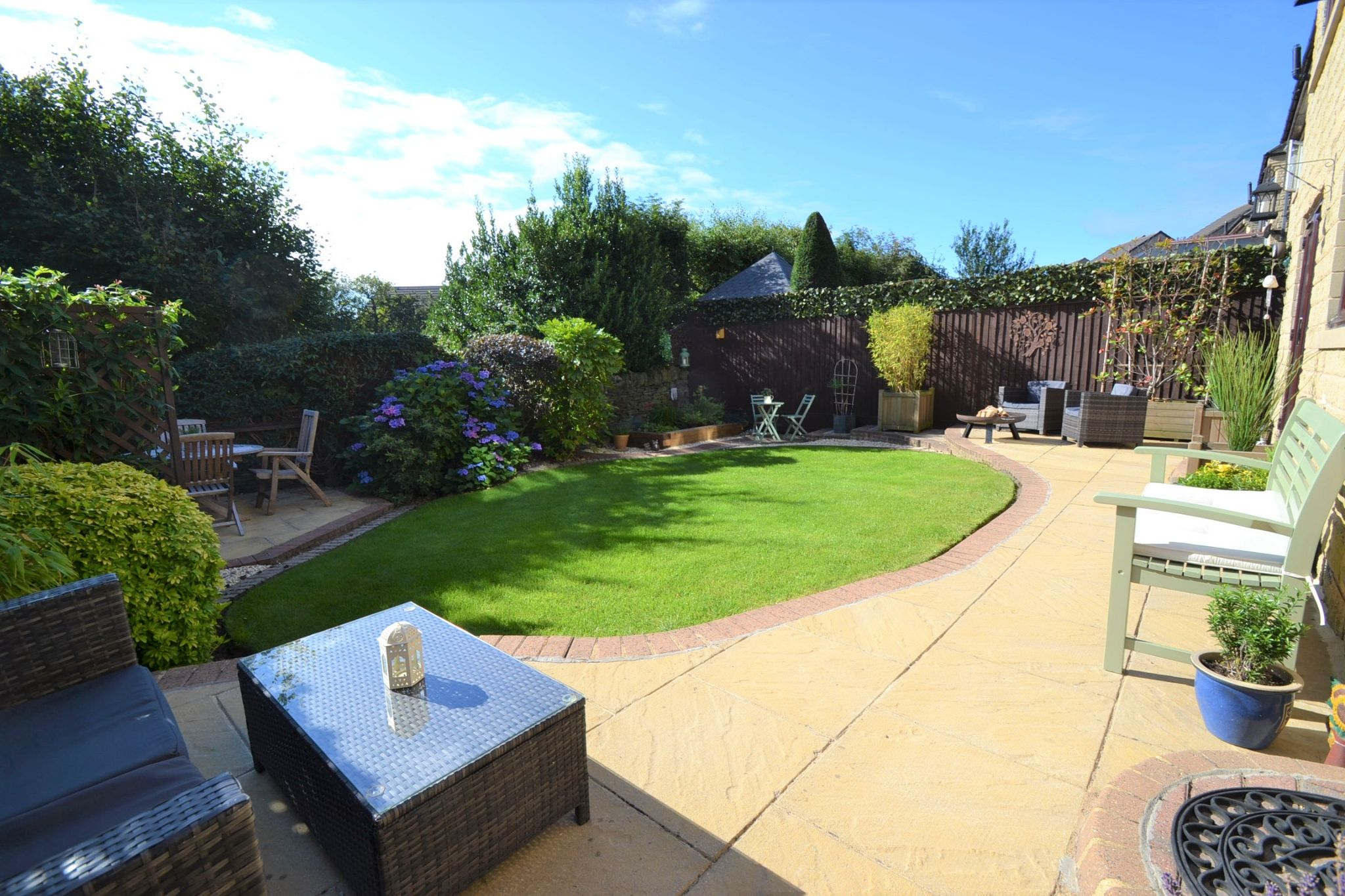 5 Bedroom Detached House For Sale - Photograph 24