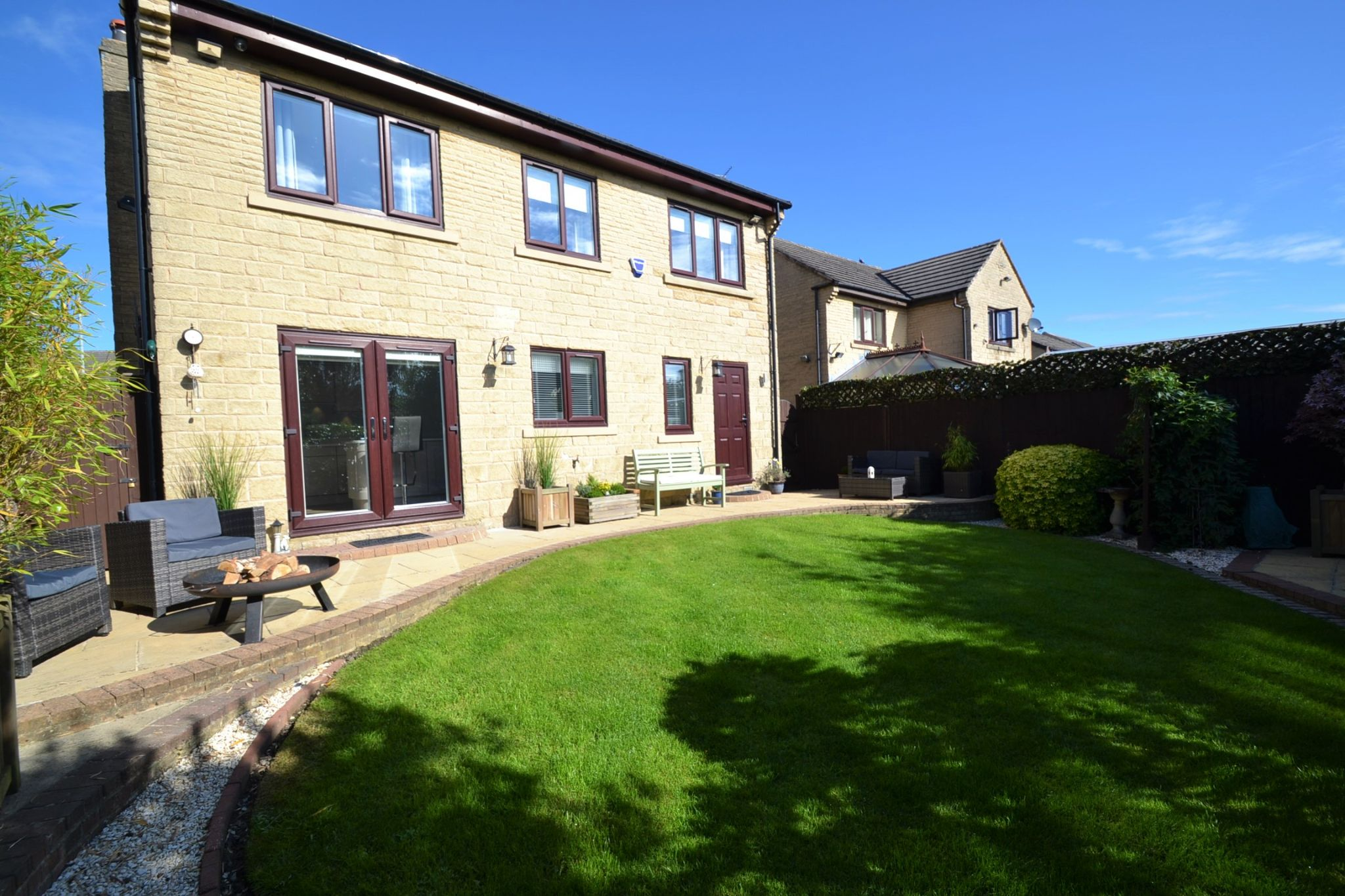 5 Bedroom Detached House For Sale - Photograph 26