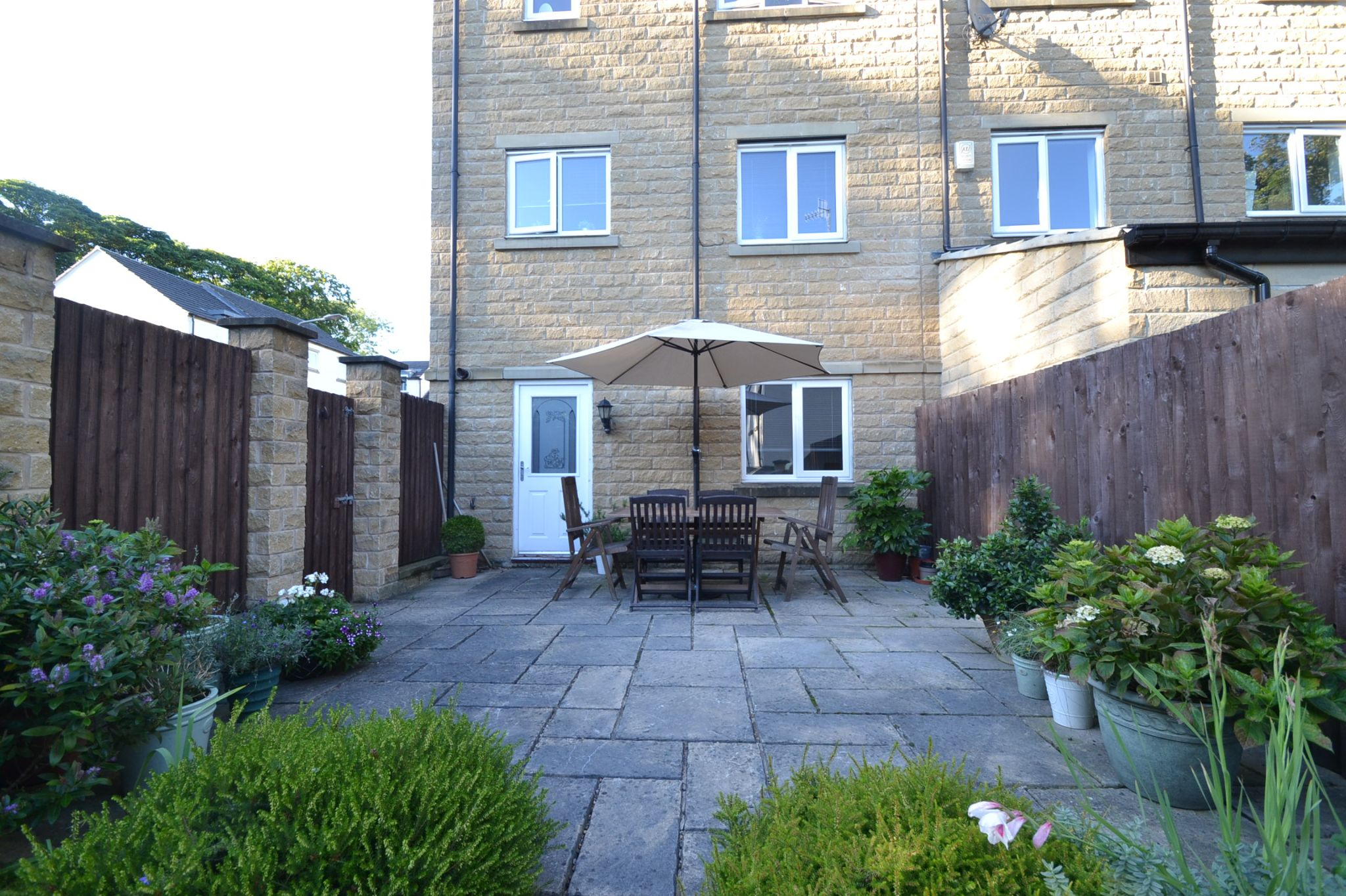 4 Bedroom End Terraced House For Sale - Photograph 25