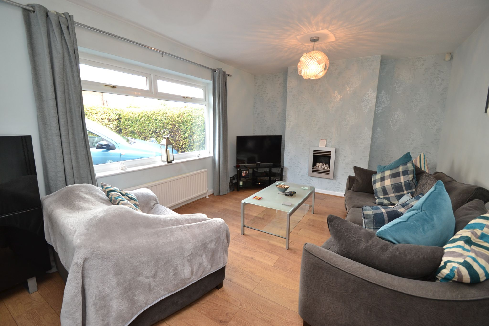 3 Bedroom Semi-detached Dormer House For Sale - Photograph 2