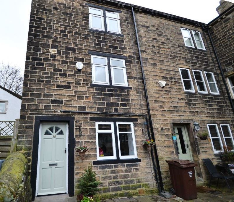3 Bedroom End Terraced House For Sale - Photograph 1
