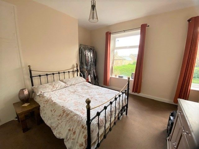 2 Bedroom Mid Terraced House For Sale - Photograph 7