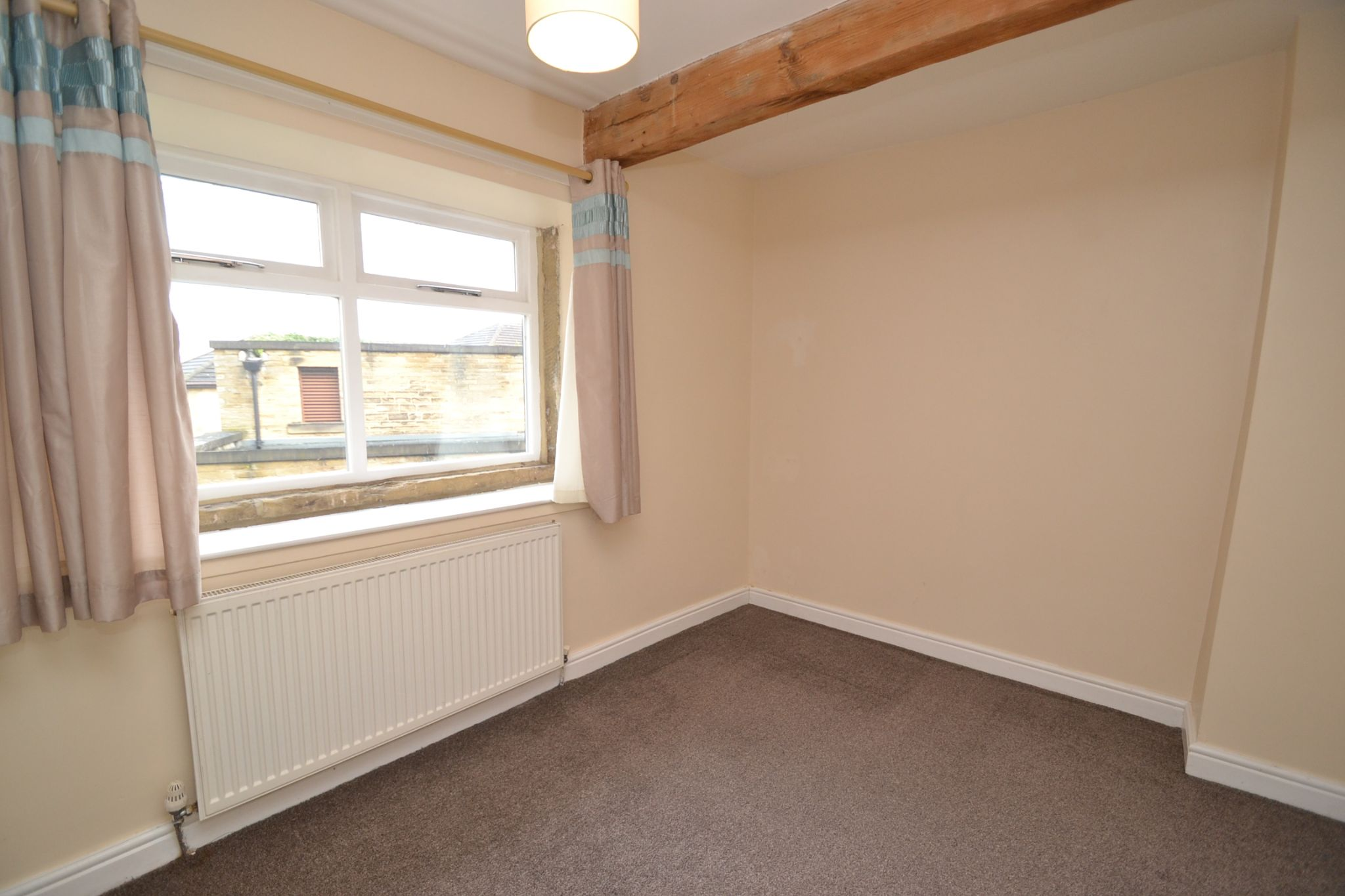 3 Bedroom Cottage House For Sale - Photograph 9