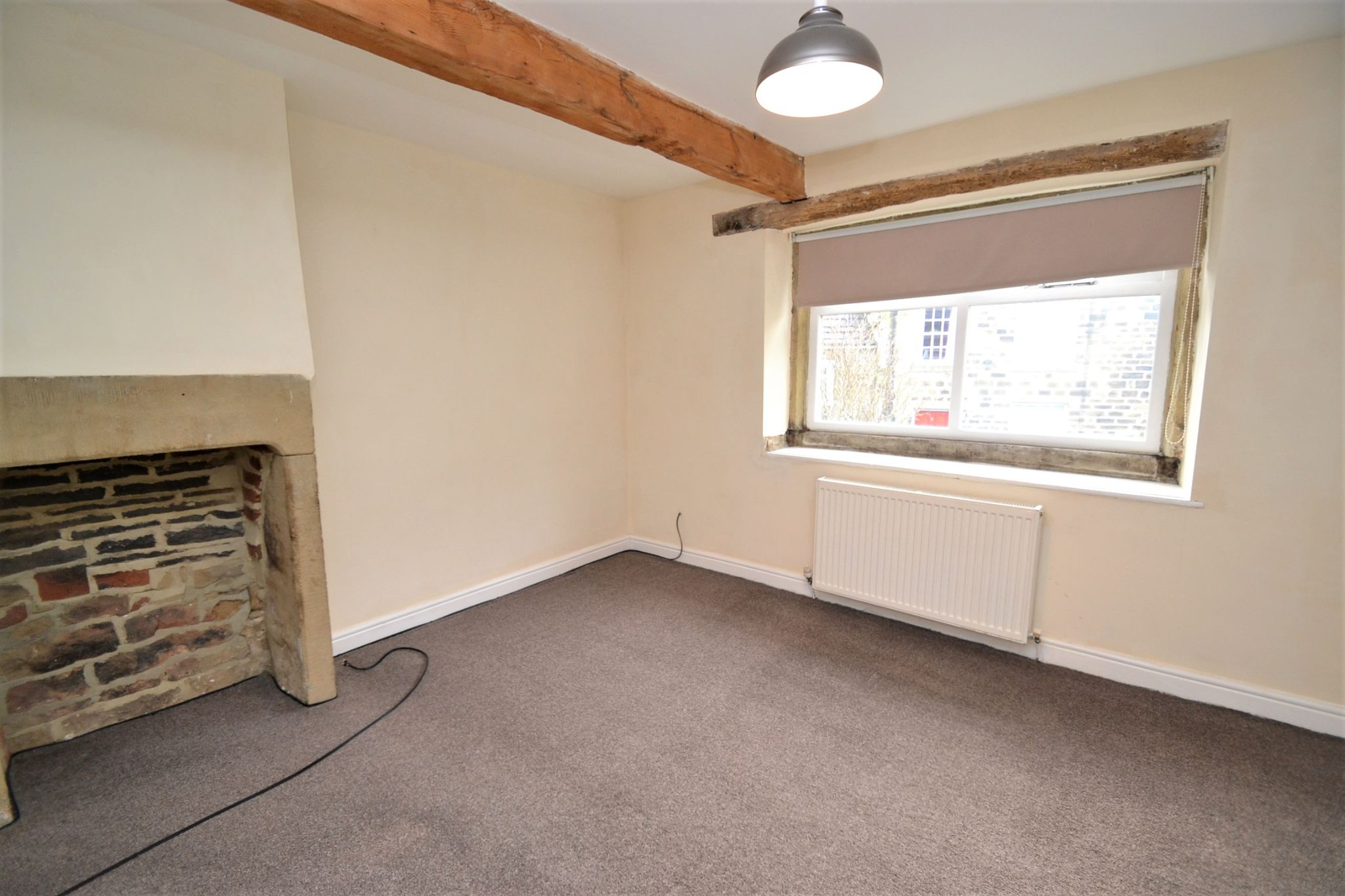 3 Bedroom Cottage House For Sale - Photograph 8