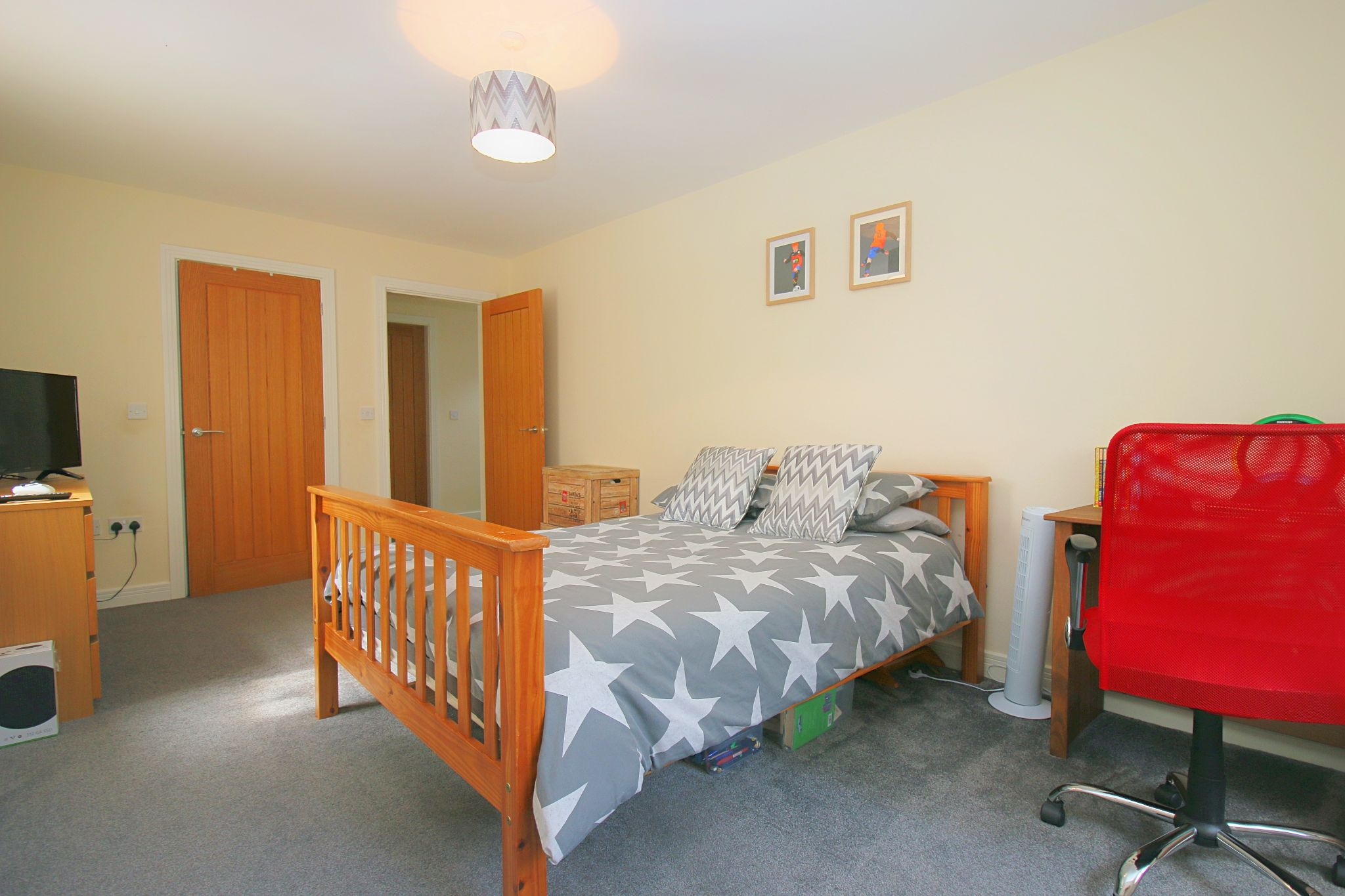 6 Bedroom Detached House For Sale - Photograph 26