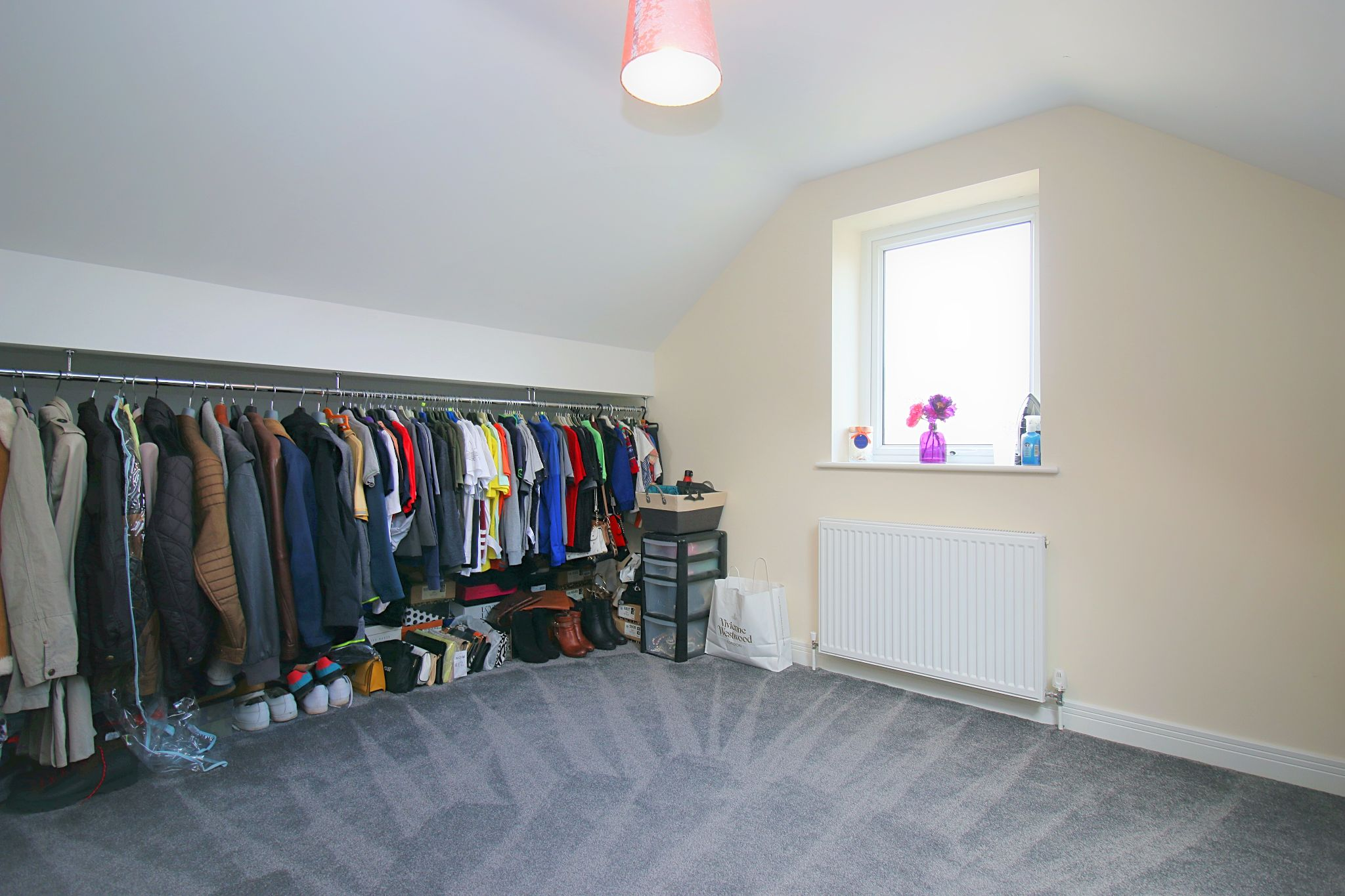 6 Bedroom Detached House For Sale - Photograph 32