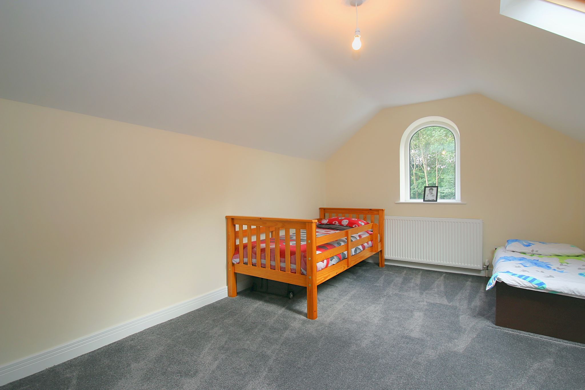6 Bedroom Detached House For Sale - Photograph 34