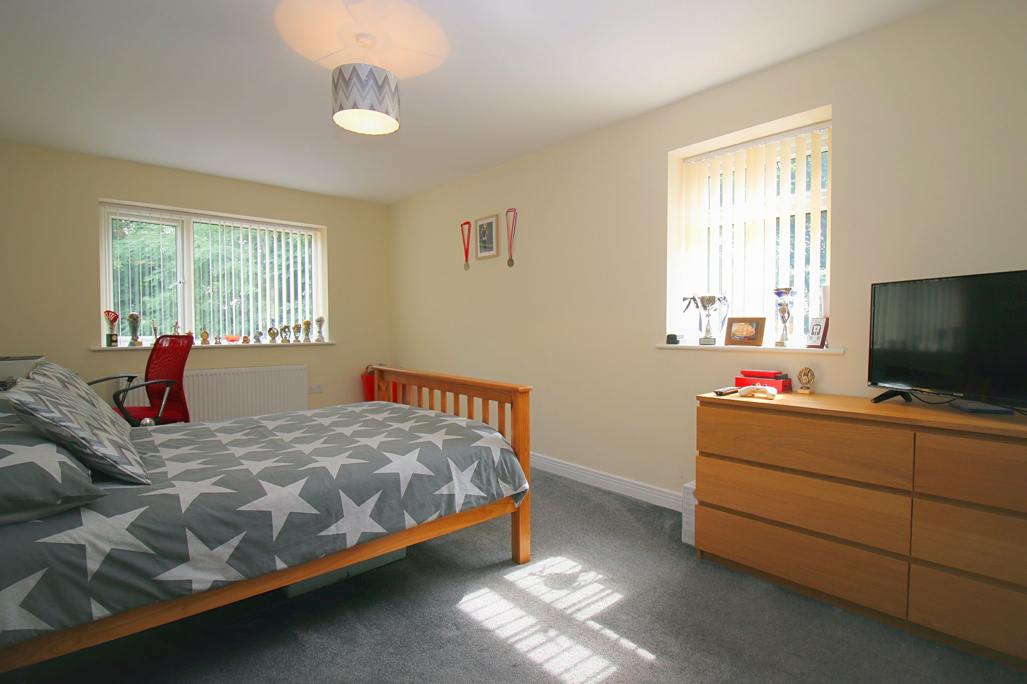 6 Bedroom Detached House For Sale - Photograph 25