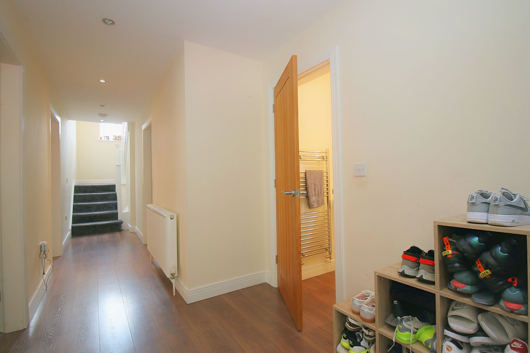 6 Bedroom Detached House For Sale - Photograph 12