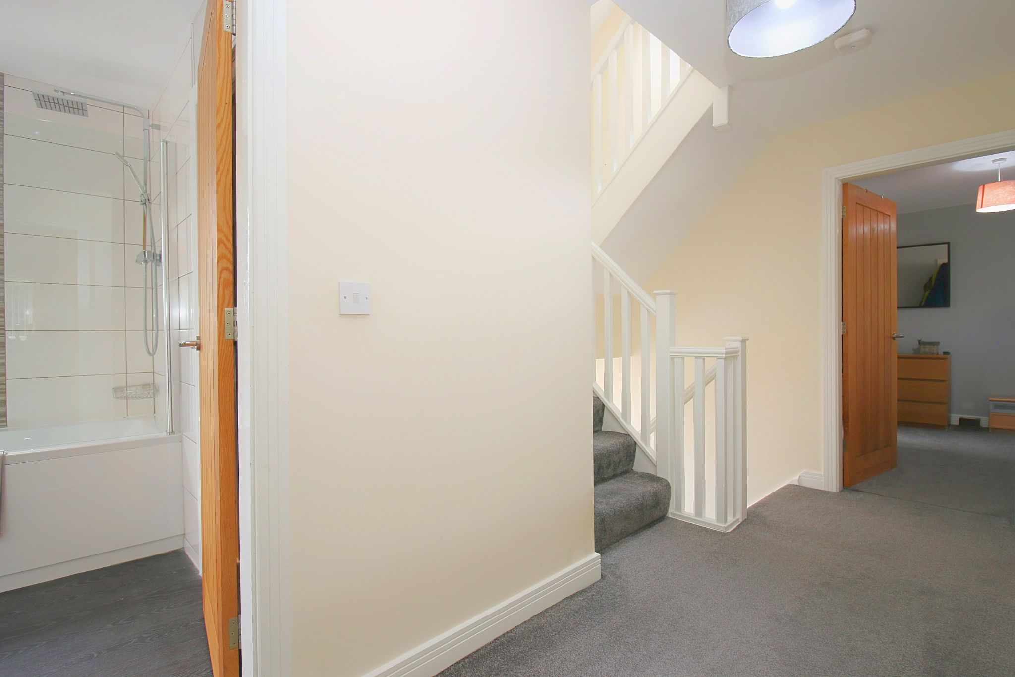 6 Bedroom Detached House For Sale - Photograph 30
