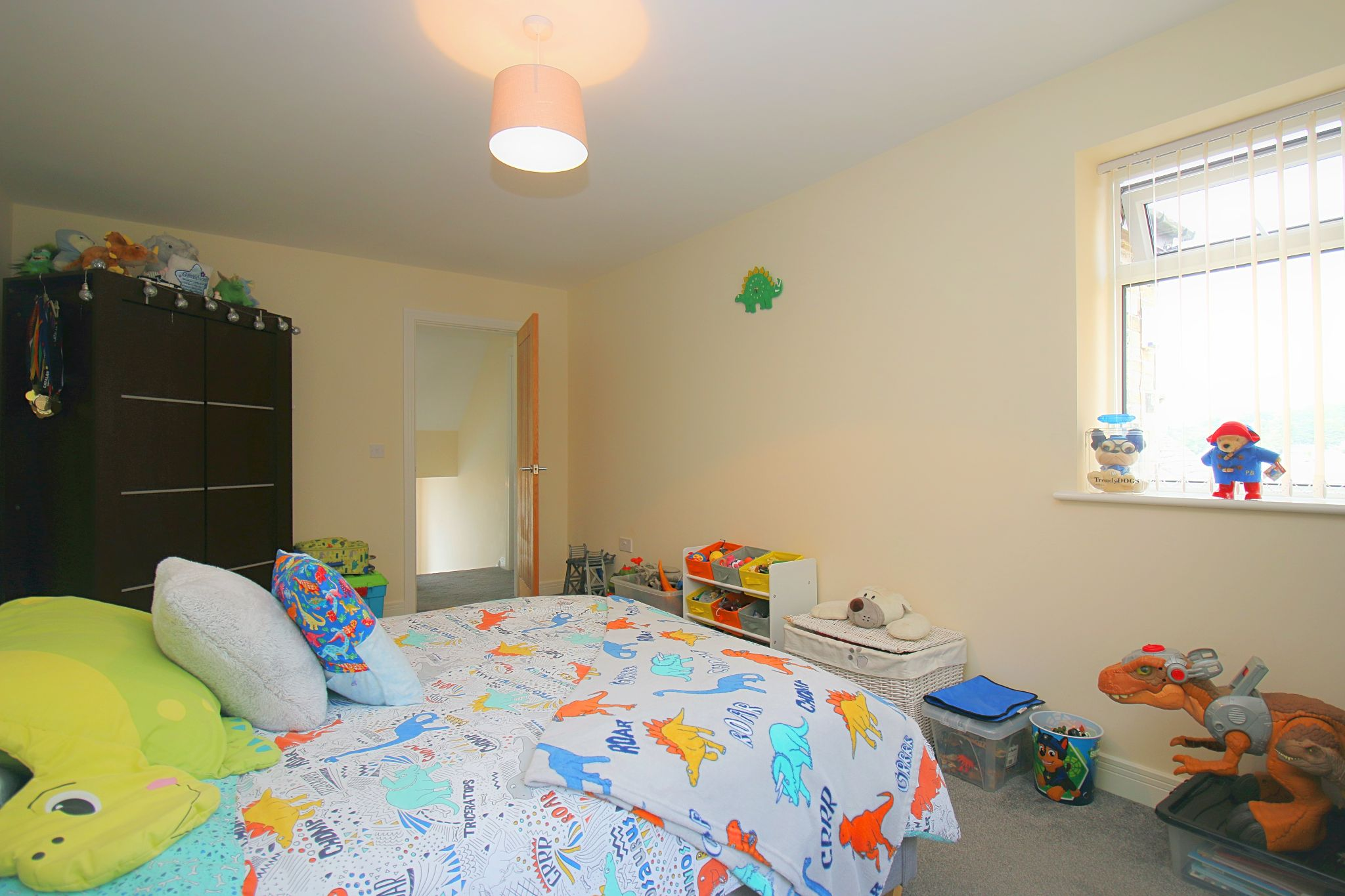 6 Bedroom Detached House For Sale - Photograph 24