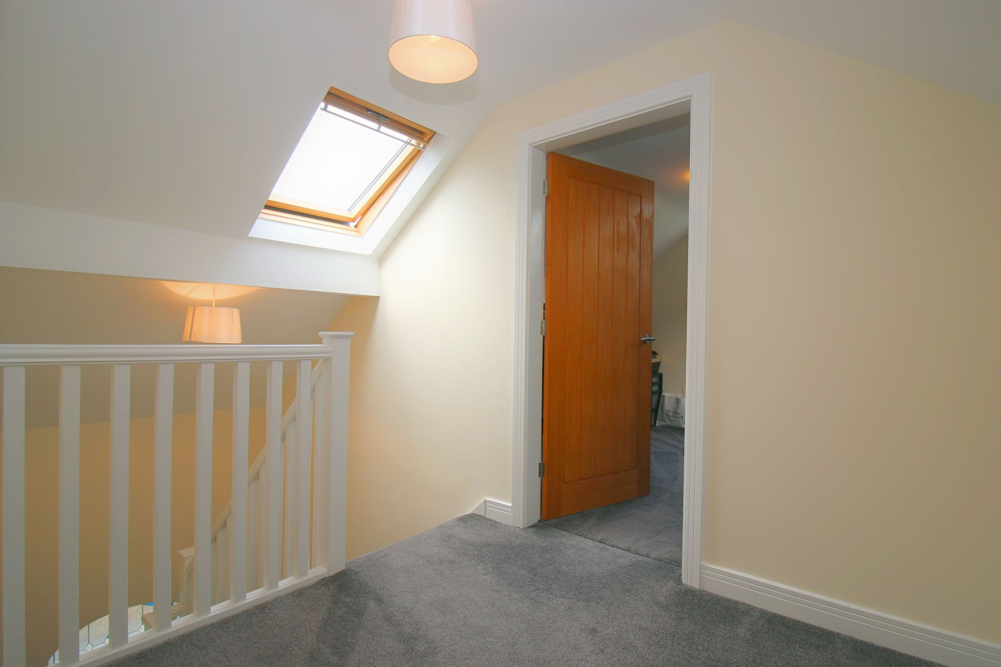 6 Bedroom Detached House For Sale - Photograph 37