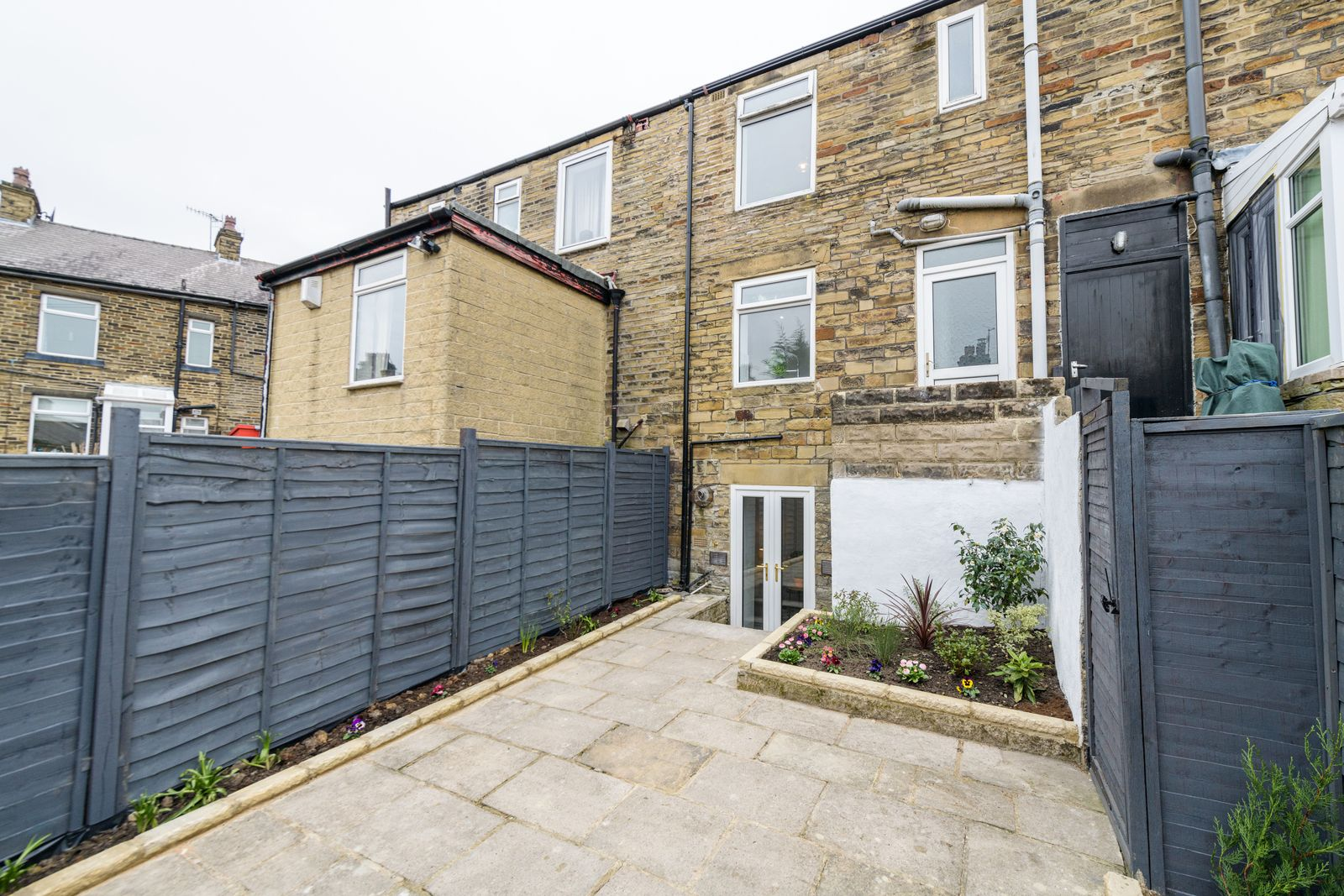 2 Bedroom Mid Terraced House For Sale - Photograph 28