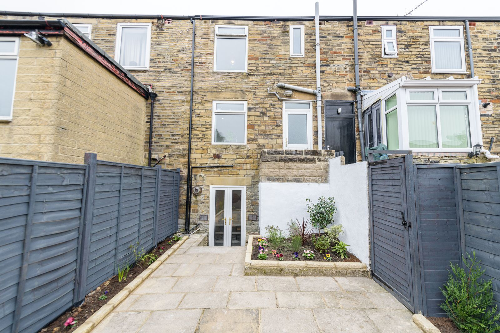 2 Bedroom Mid Terraced House For Sale - Photograph 29
