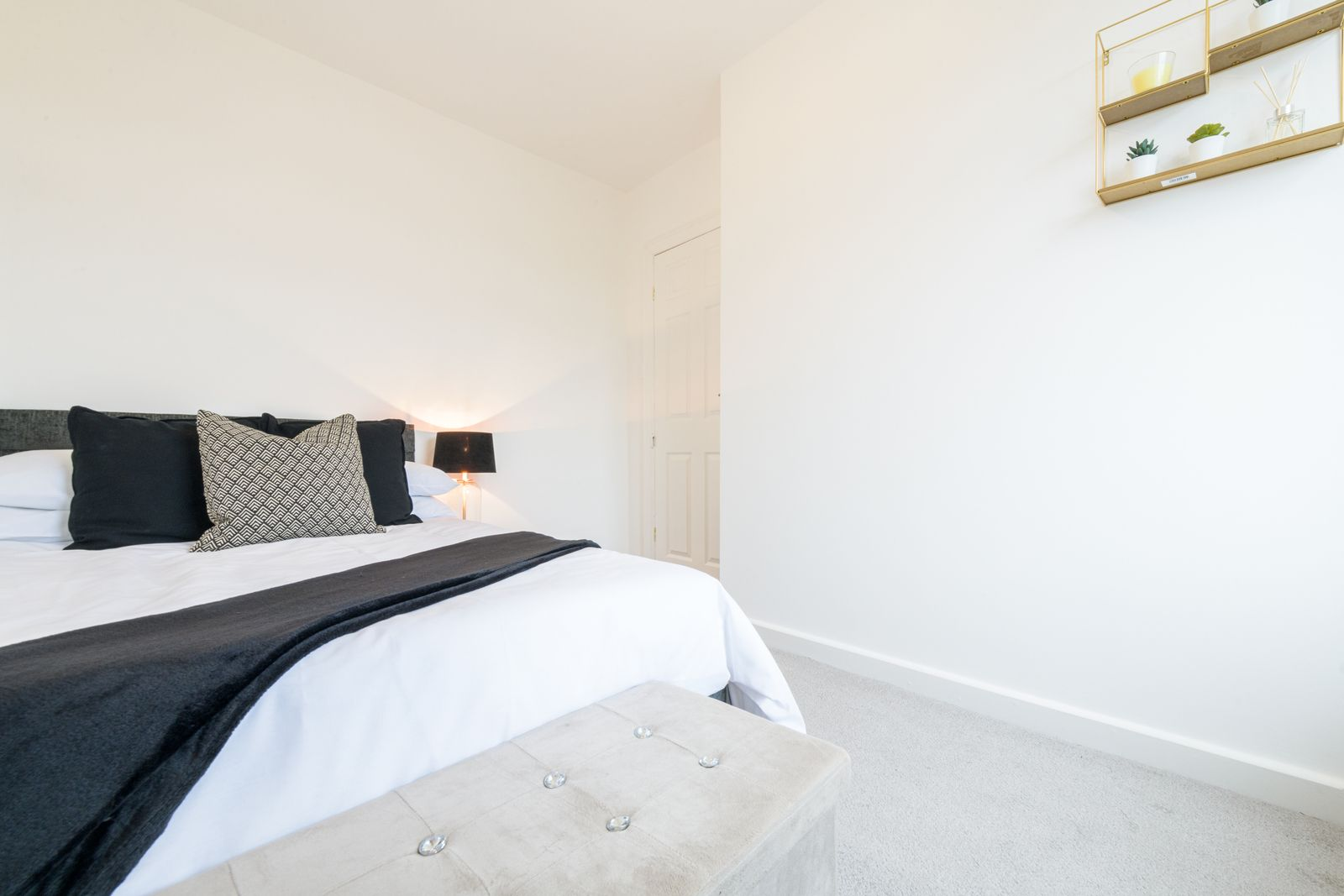 2 Bedroom Mid Terraced House For Sale - Photograph 23