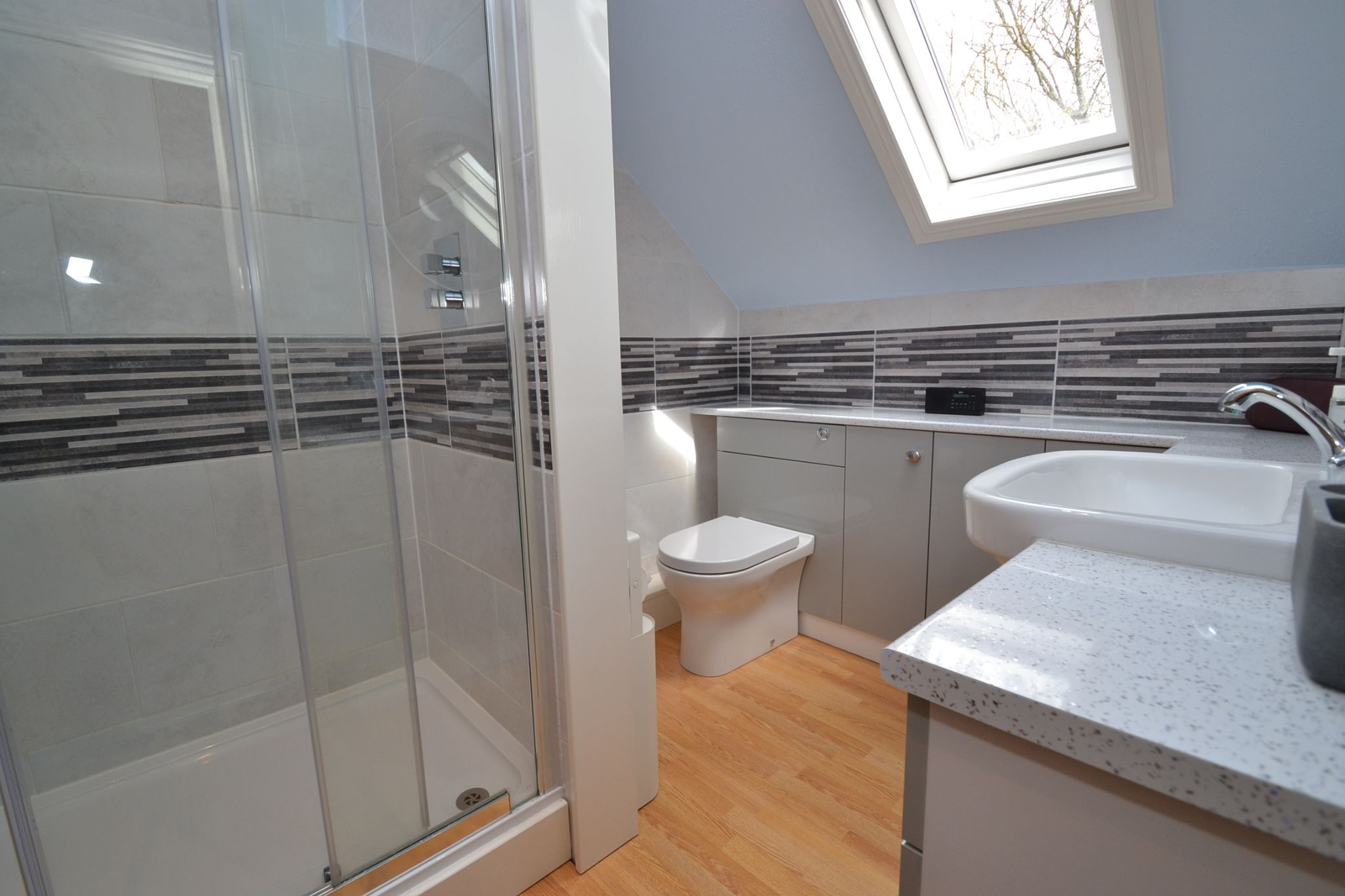 5 Bedroom Semi-detached House For Sale - Photograph 26