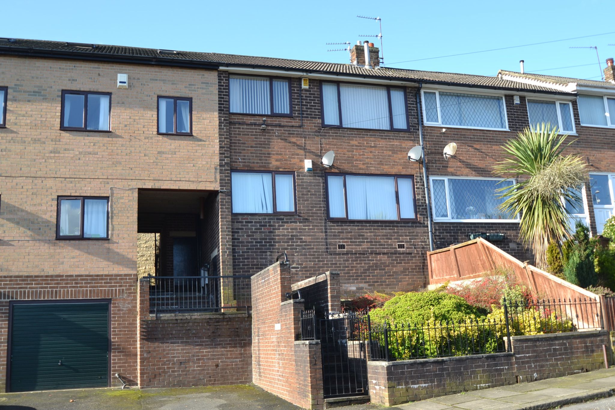 2 Bedroom Ground Floor Flat/apartment For Sale - Photograph 9