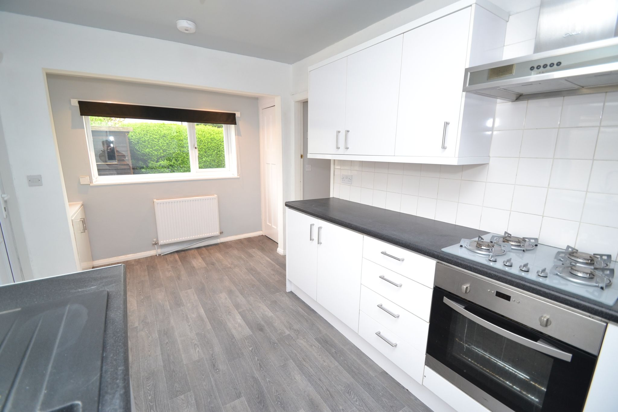 2 Bedroom Semi-detached House For Sale - Photograph 5