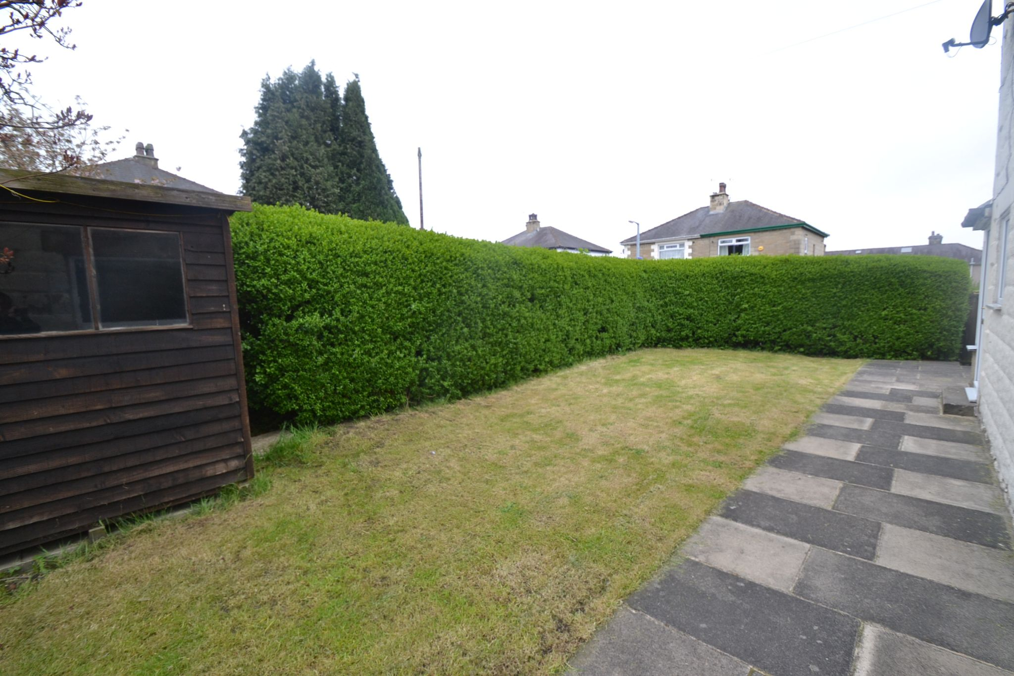 2 Bedroom Semi-detached House For Sale - Photograph 11
