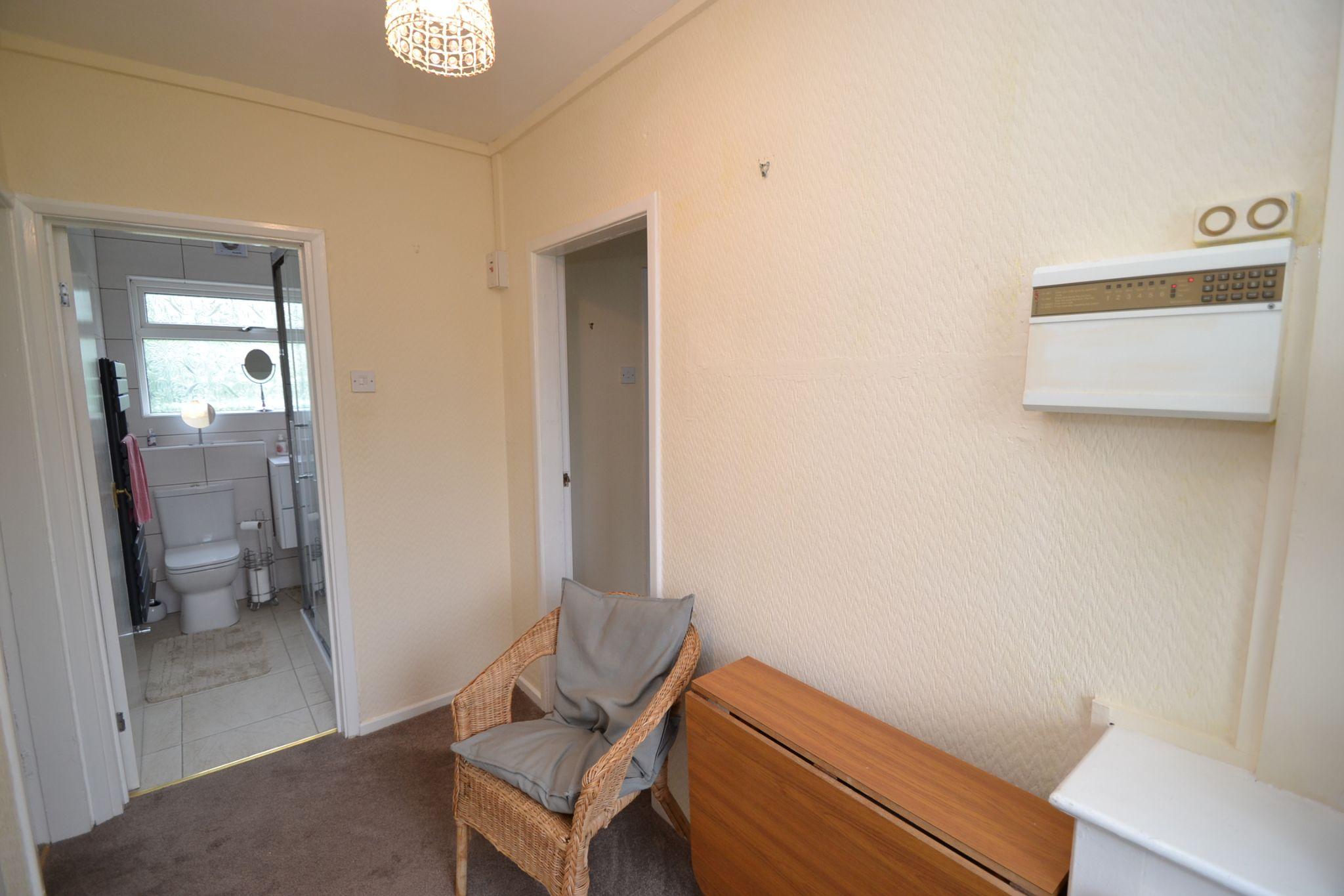 1 Bedroom Ground Floor Maisonette Flat/apartment For Sale - Photograph 7