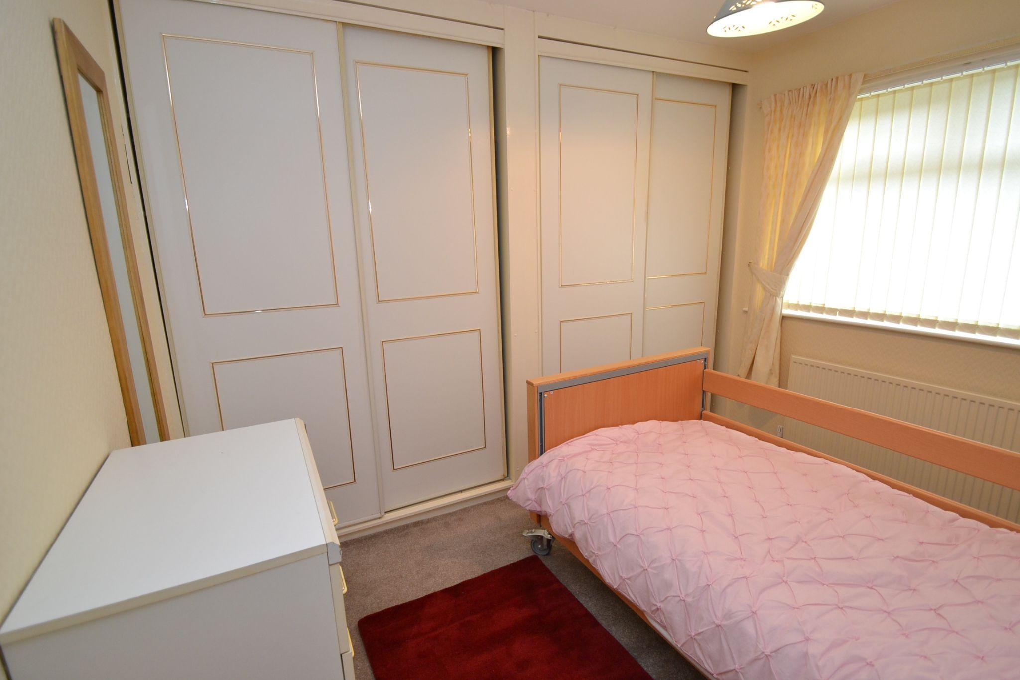 1 Bedroom Ground Floor Maisonette Flat/apartment For Sale - Photograph 8