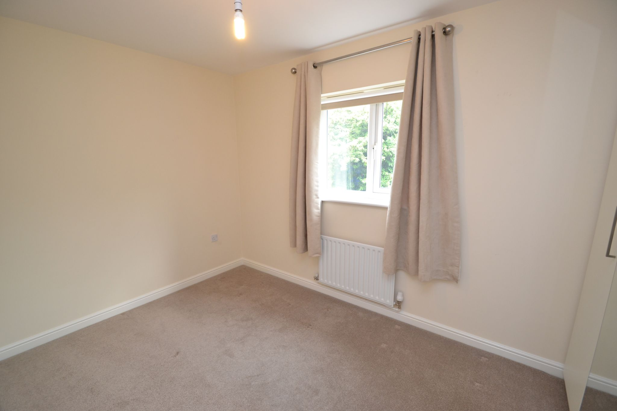 4 Bedroom Detached House For Sale - Photograph 14