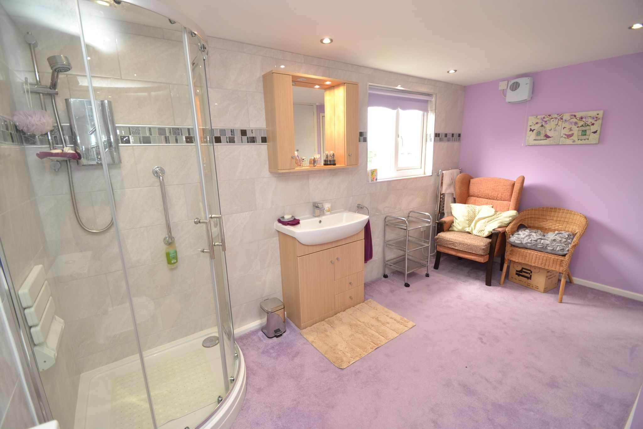 3 Bedroom Semi-detached Dormer House For Sale - Photograph 11