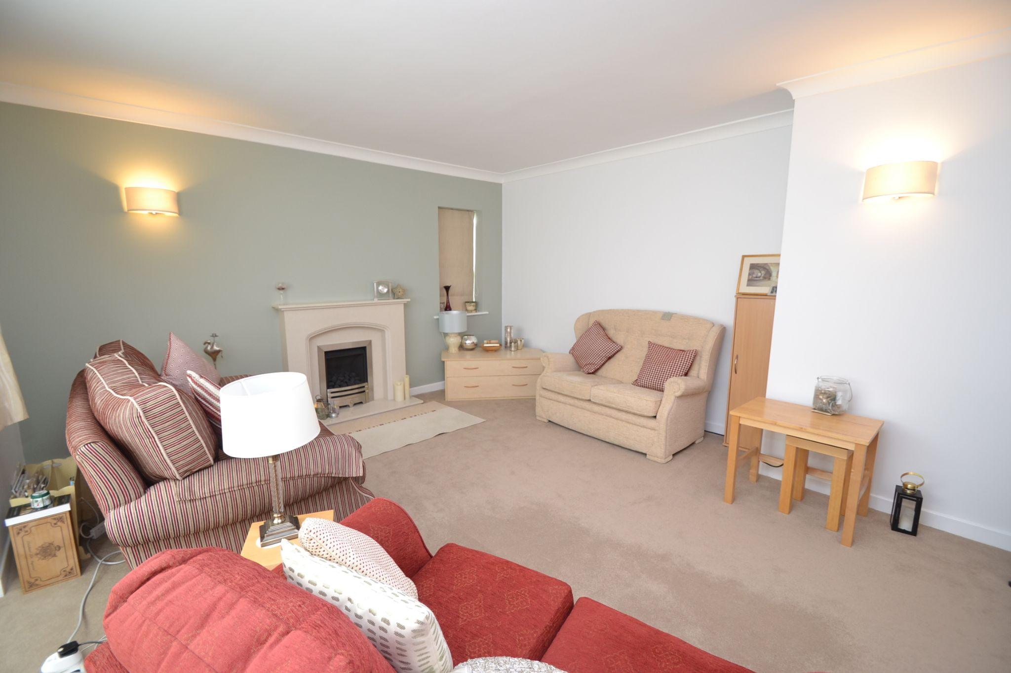 2 Bedroom Semi-detached Dormer House For Sale - Photograph 3