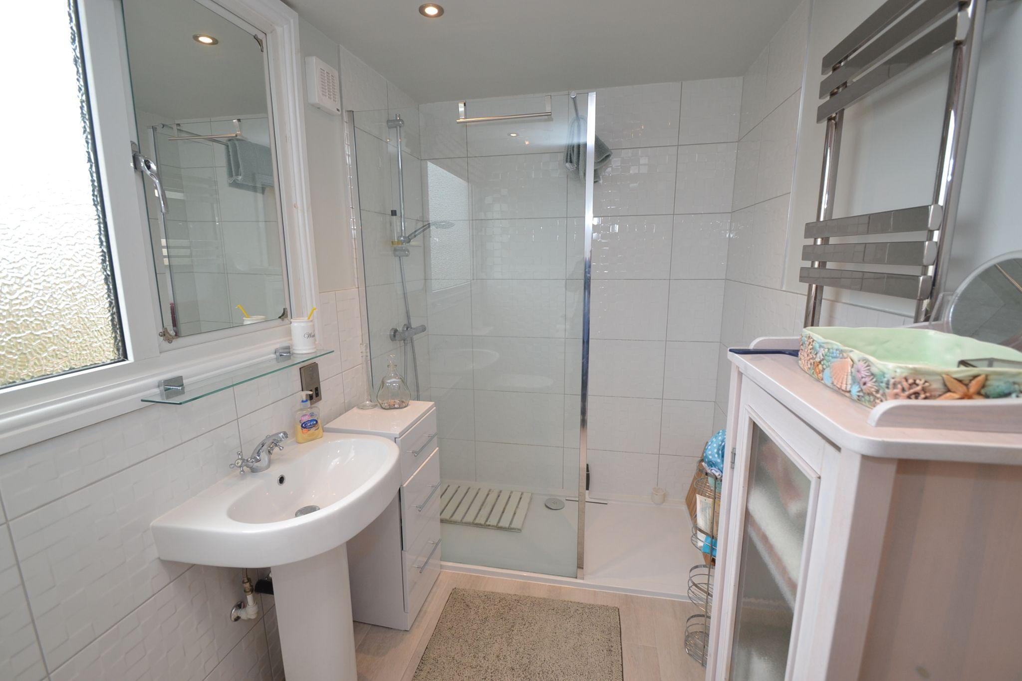 2 Bedroom Semi-detached Dormer House For Sale - Photograph 16
