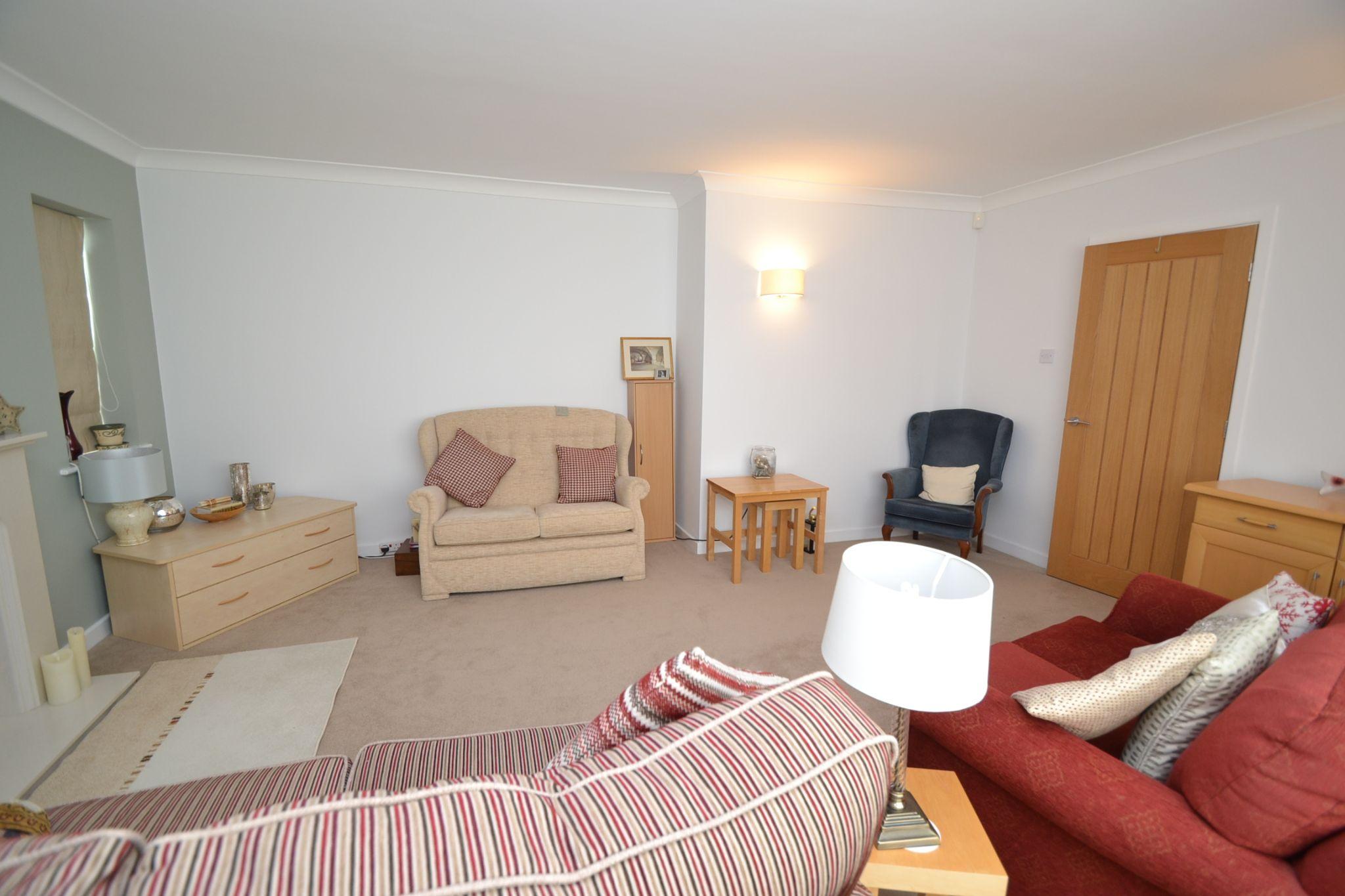 2 Bedroom Semi-detached Dormer House For Sale - Photograph 4