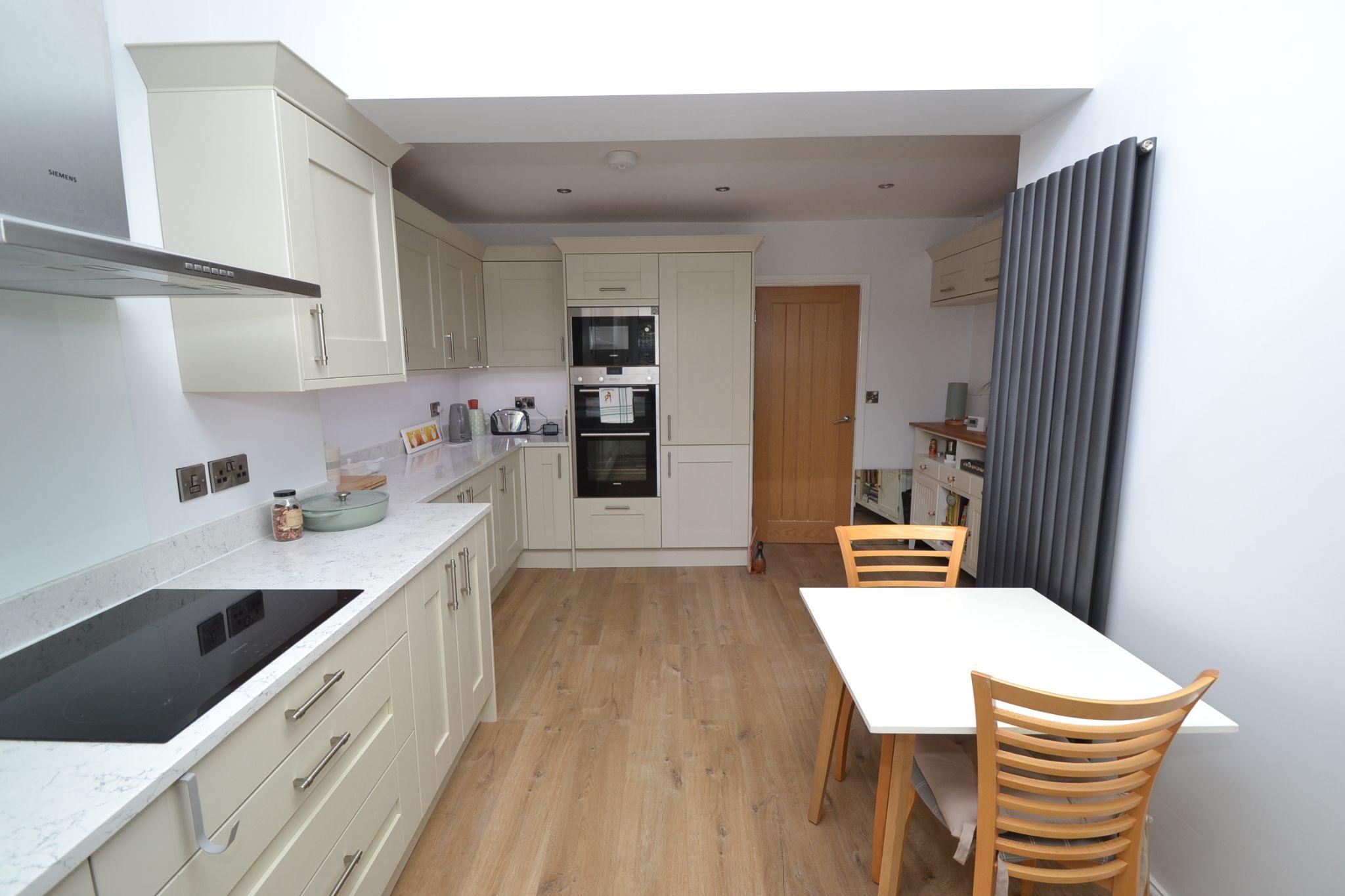 2 Bedroom Semi-detached Dormer House For Sale - Photograph 10