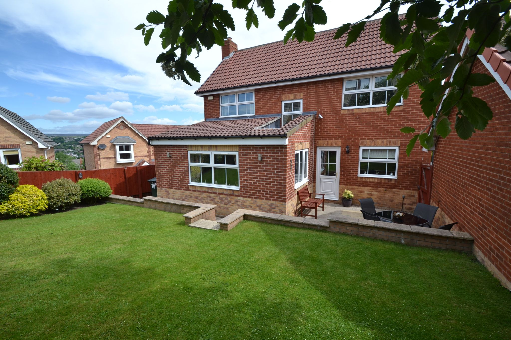 3 Bedroom Detached House For Sale - Photograph 26