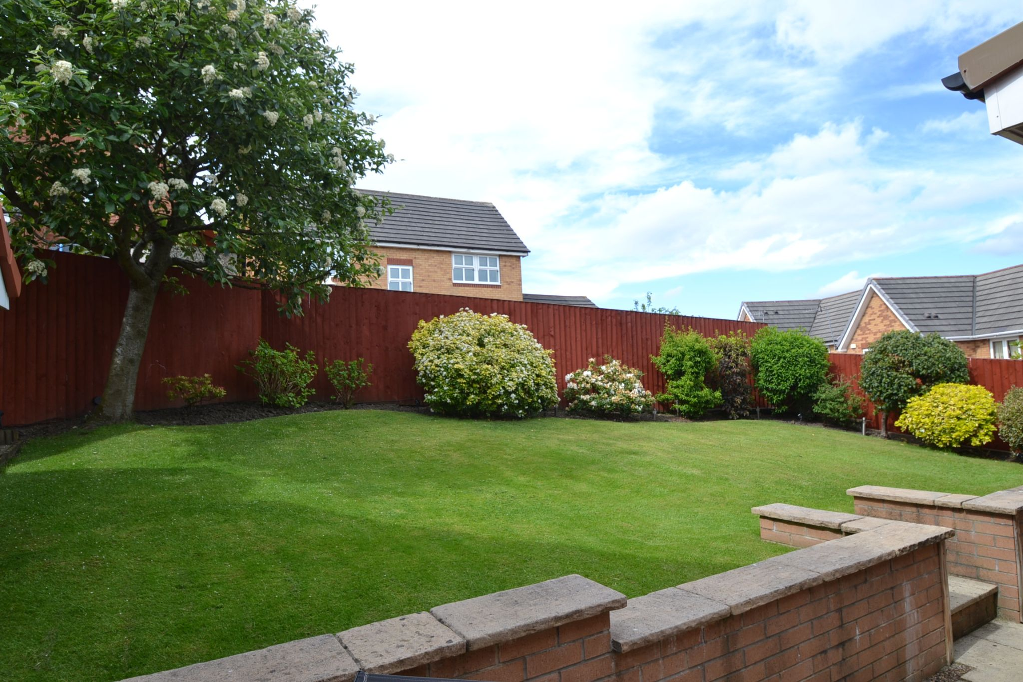 3 Bedroom Detached House For Sale - Photograph 25