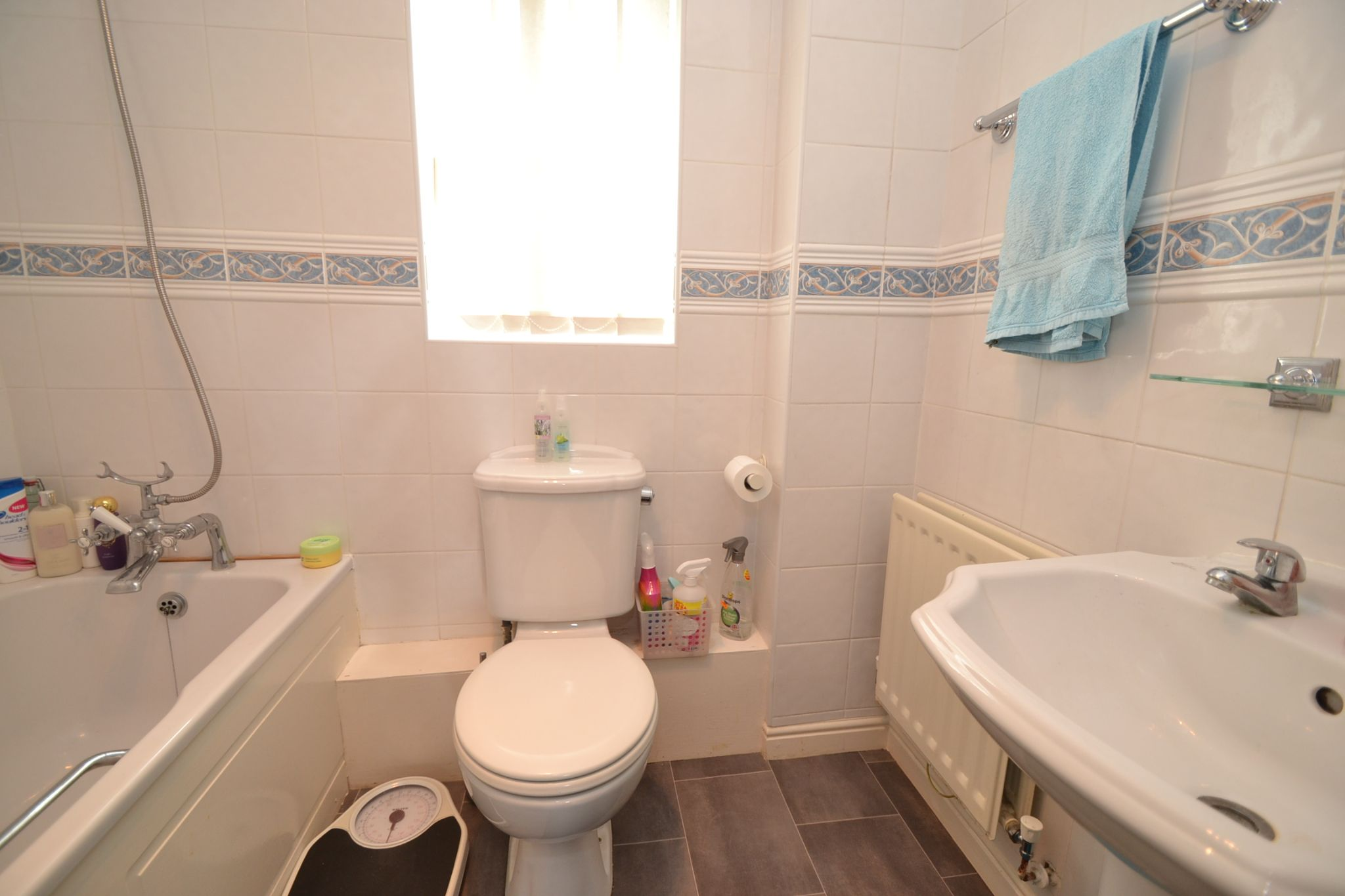4 Bedroom Detached House For Sale - Photograph 13