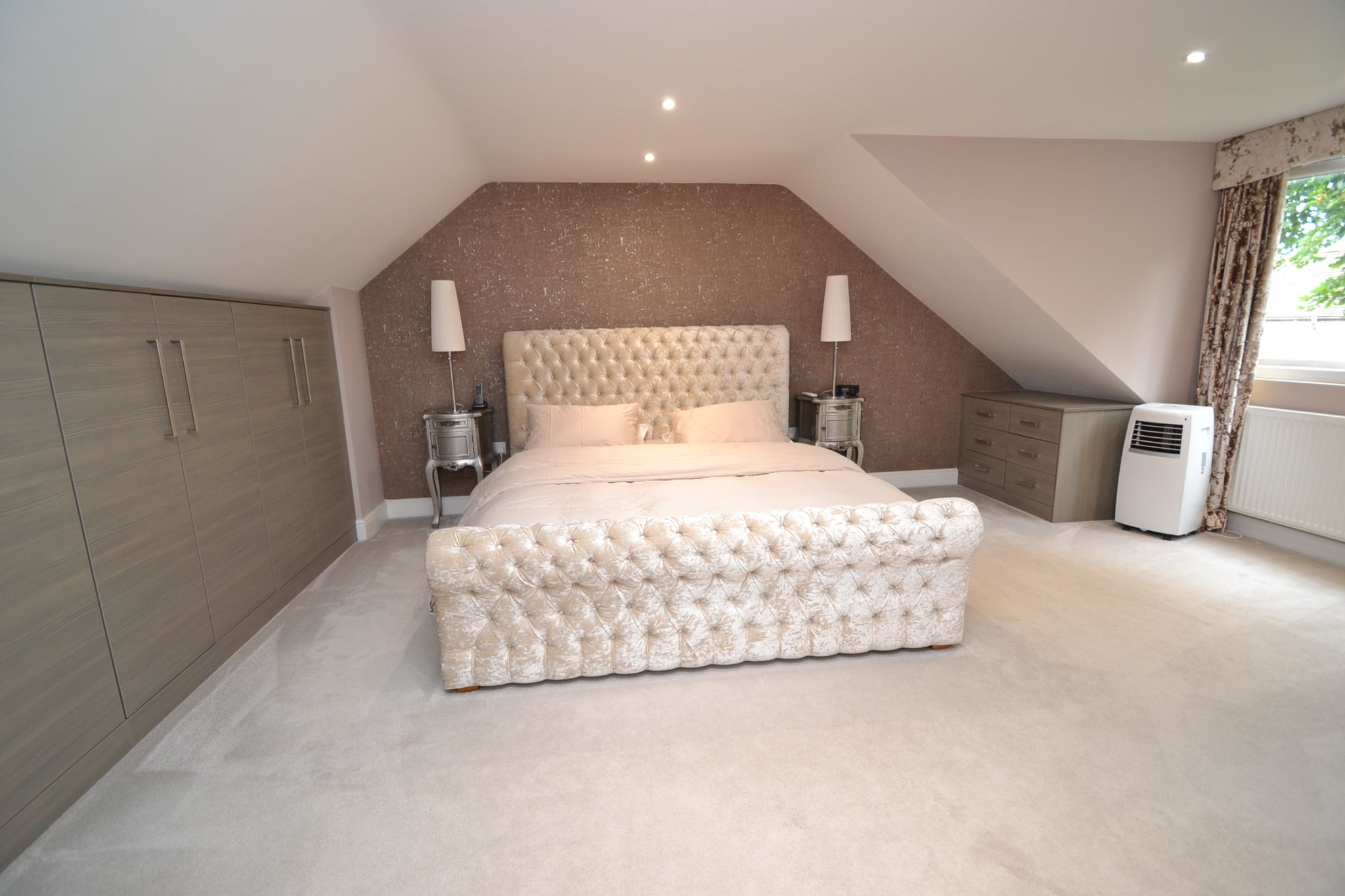 5 Bedroom Detached House For Sale - Photograph 22