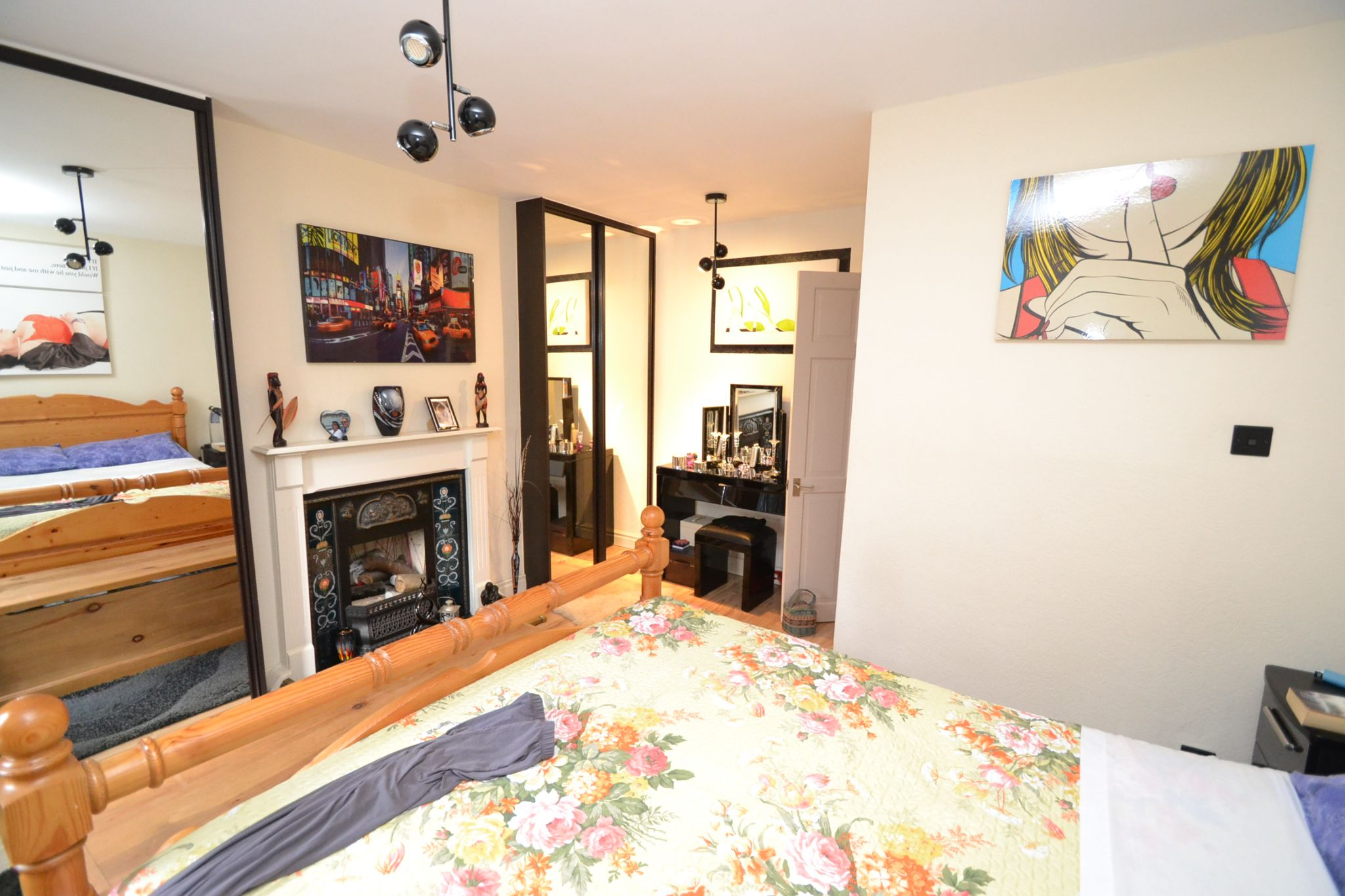 2 Bedroom Mid Terraced House For Sale - Photograph 10