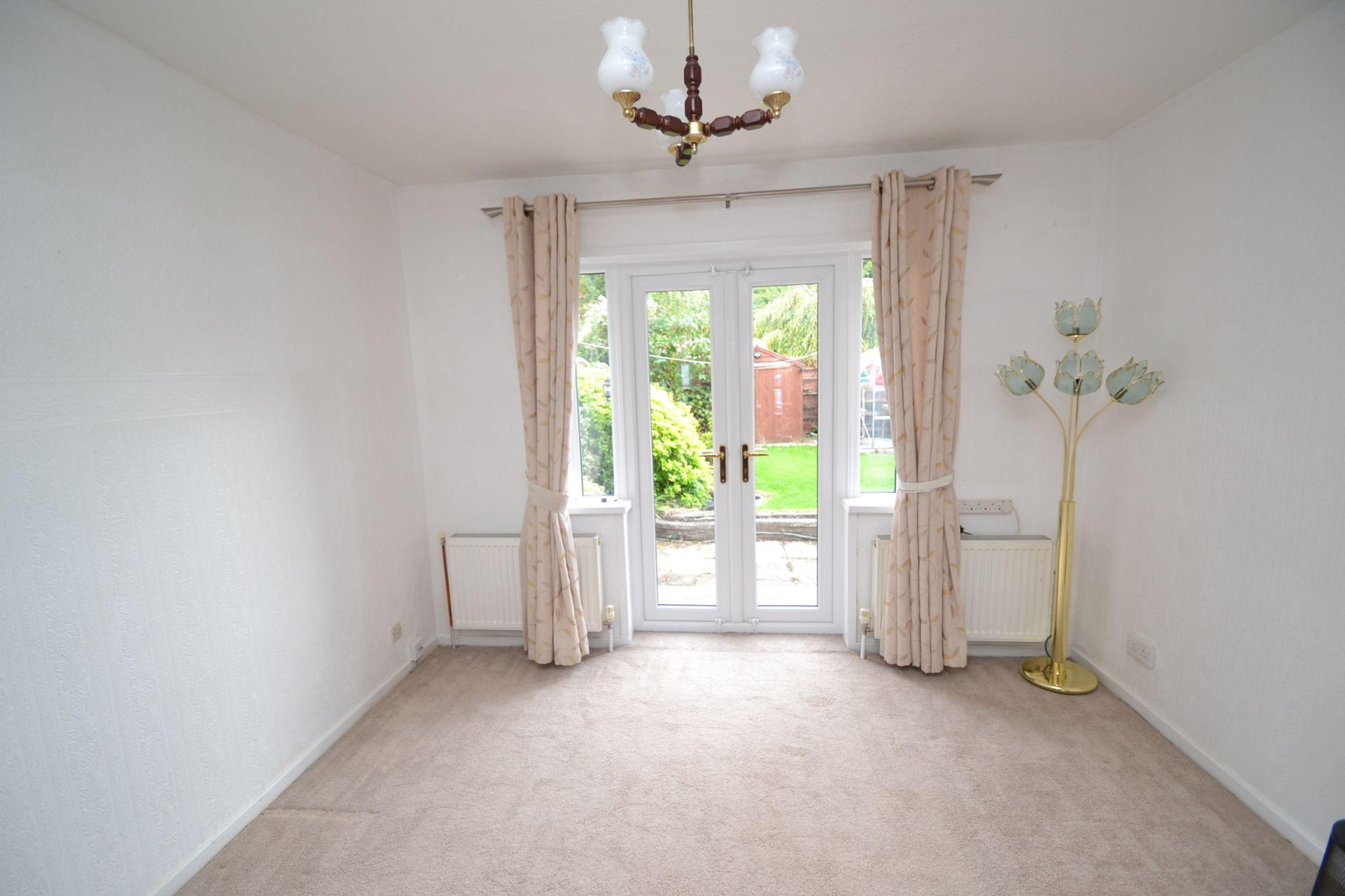 3 Bedroom Semi-detached Dormer House For Sale - Photograph 5