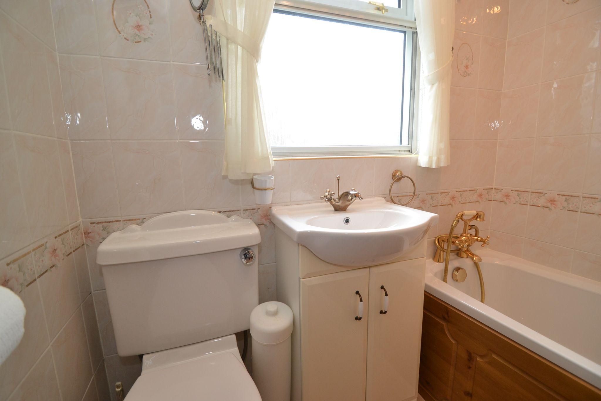 3 Bedroom Semi-detached Dormer House For Sale - Photograph 9