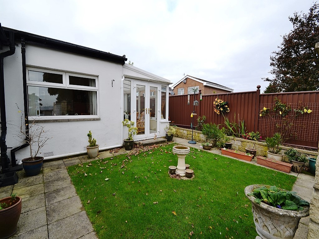 3 Bedroom Detached Bungalow For Sale - Photograph 12