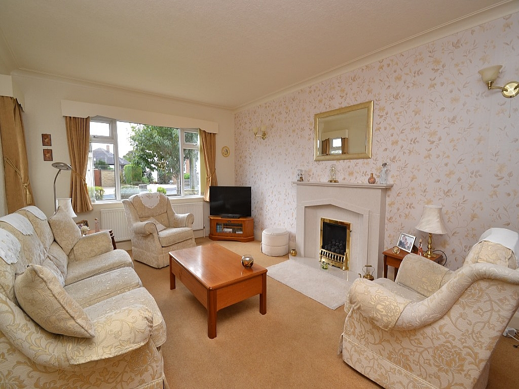 3 Bedroom Detached Bungalow For Sale - Photograph 2