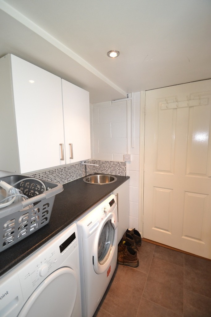 4 Bedroom Semi-detached House For Sale - 0