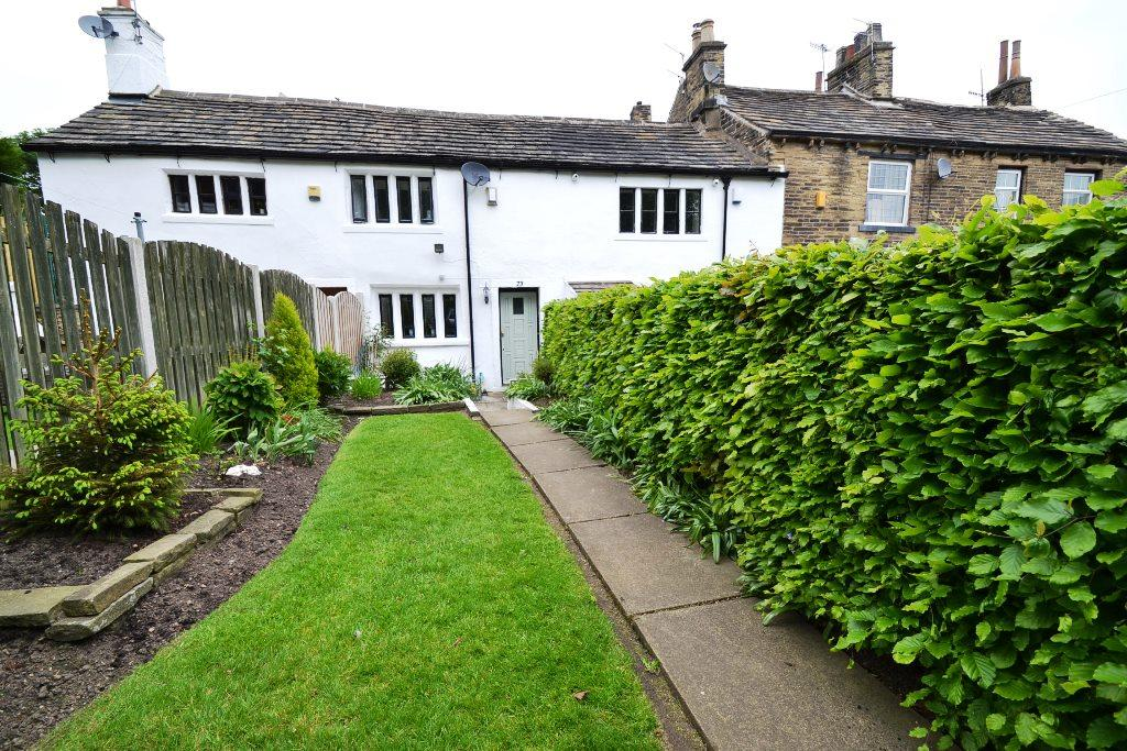 1 Bedroom Cottage House For Sale - Photograph 1