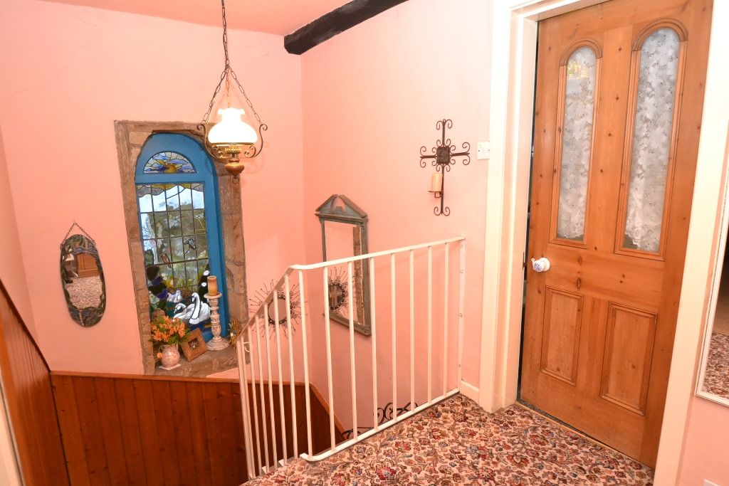 3 Bedroom Cottage House For Sale - Photograph 13