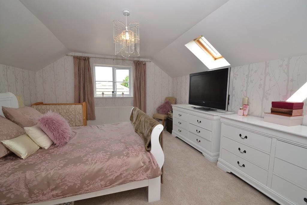 5 Bedroom Detached House For Sale - 12