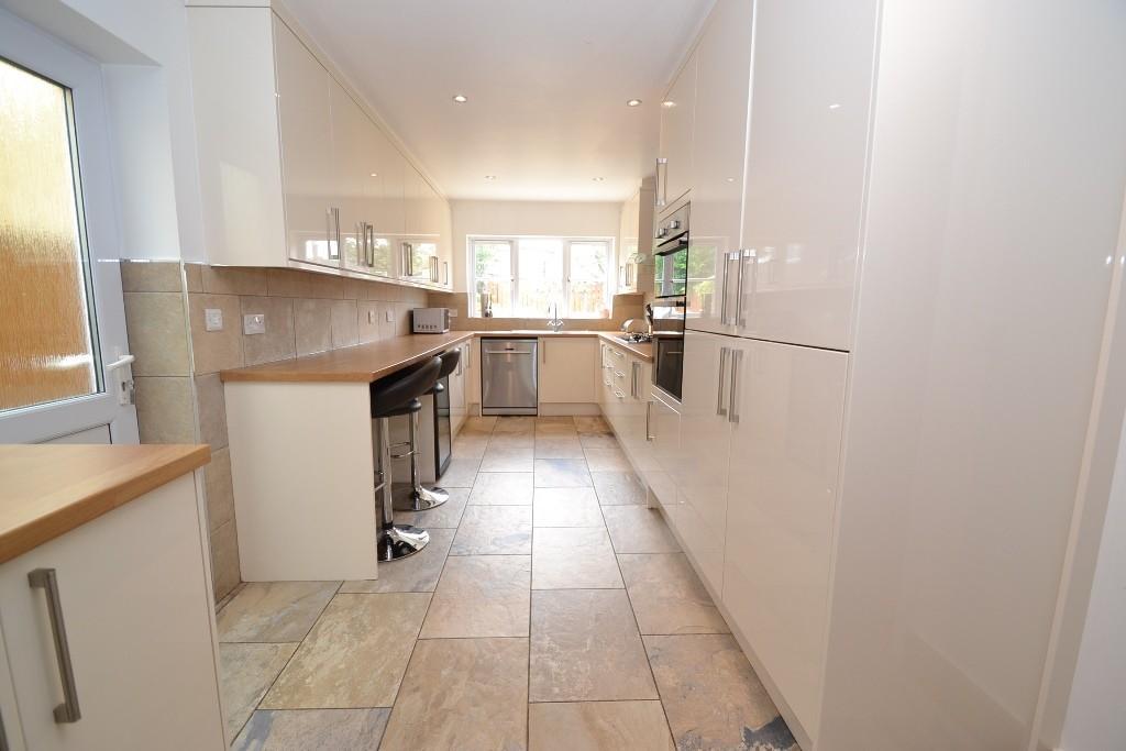 5 Bedroom Detached House For Sale - 9